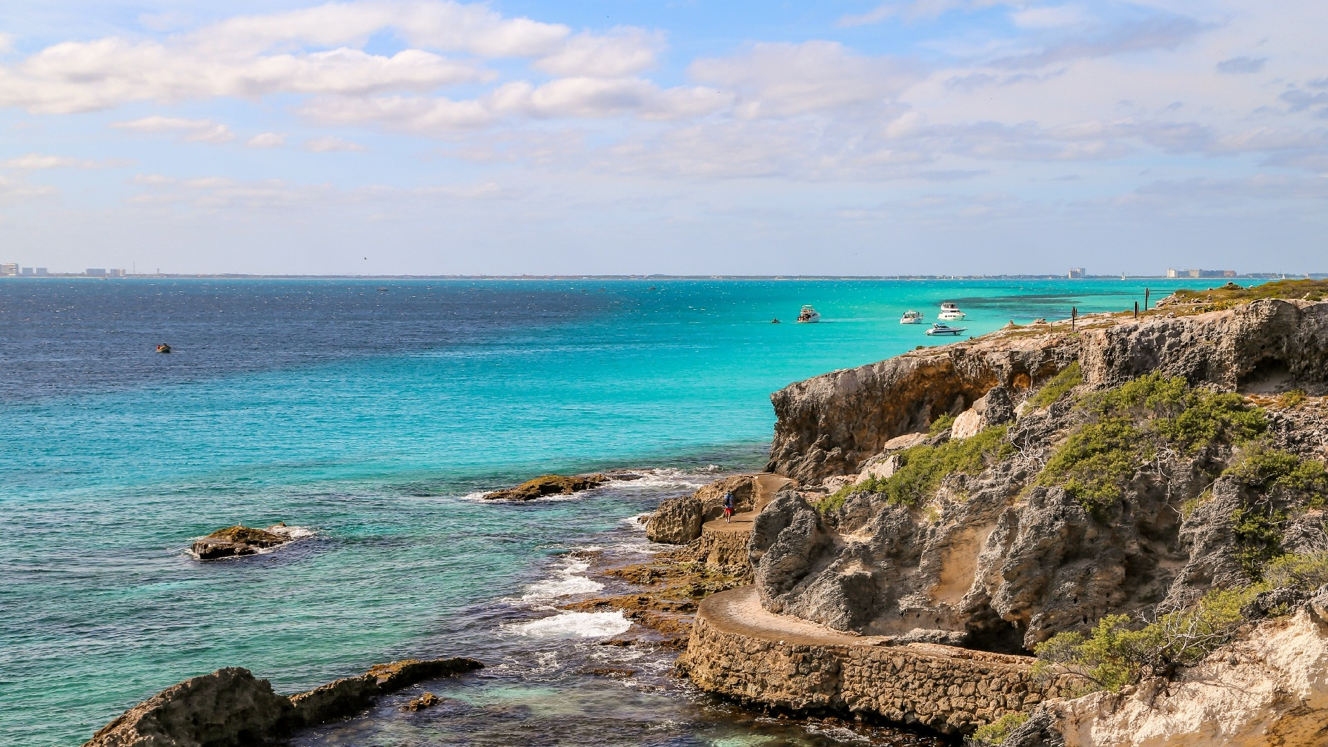 04 - HiRes - Vista Cancun - Punta Sur-1