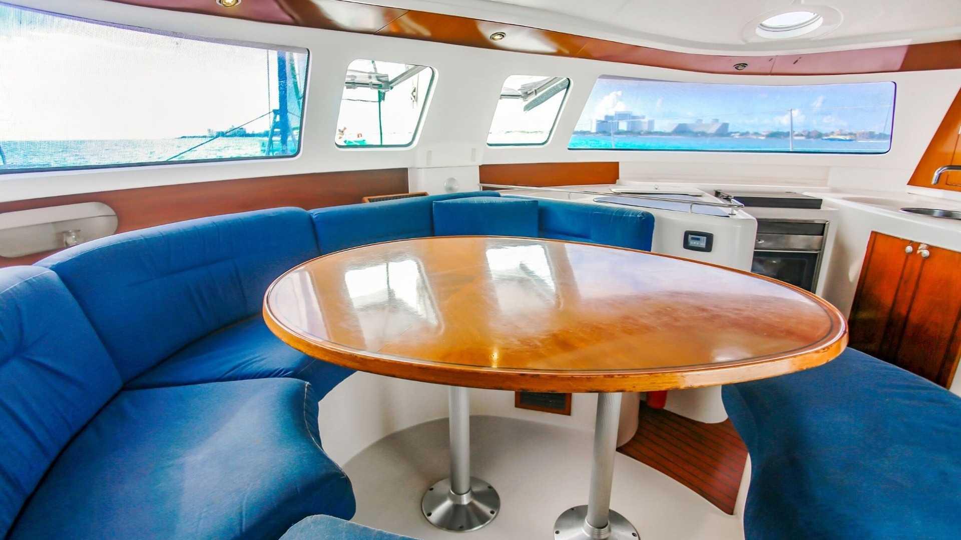 8 - LoRes - 4 Vents - Isla Mujeres Catamaran Tour - Cancun Sailing