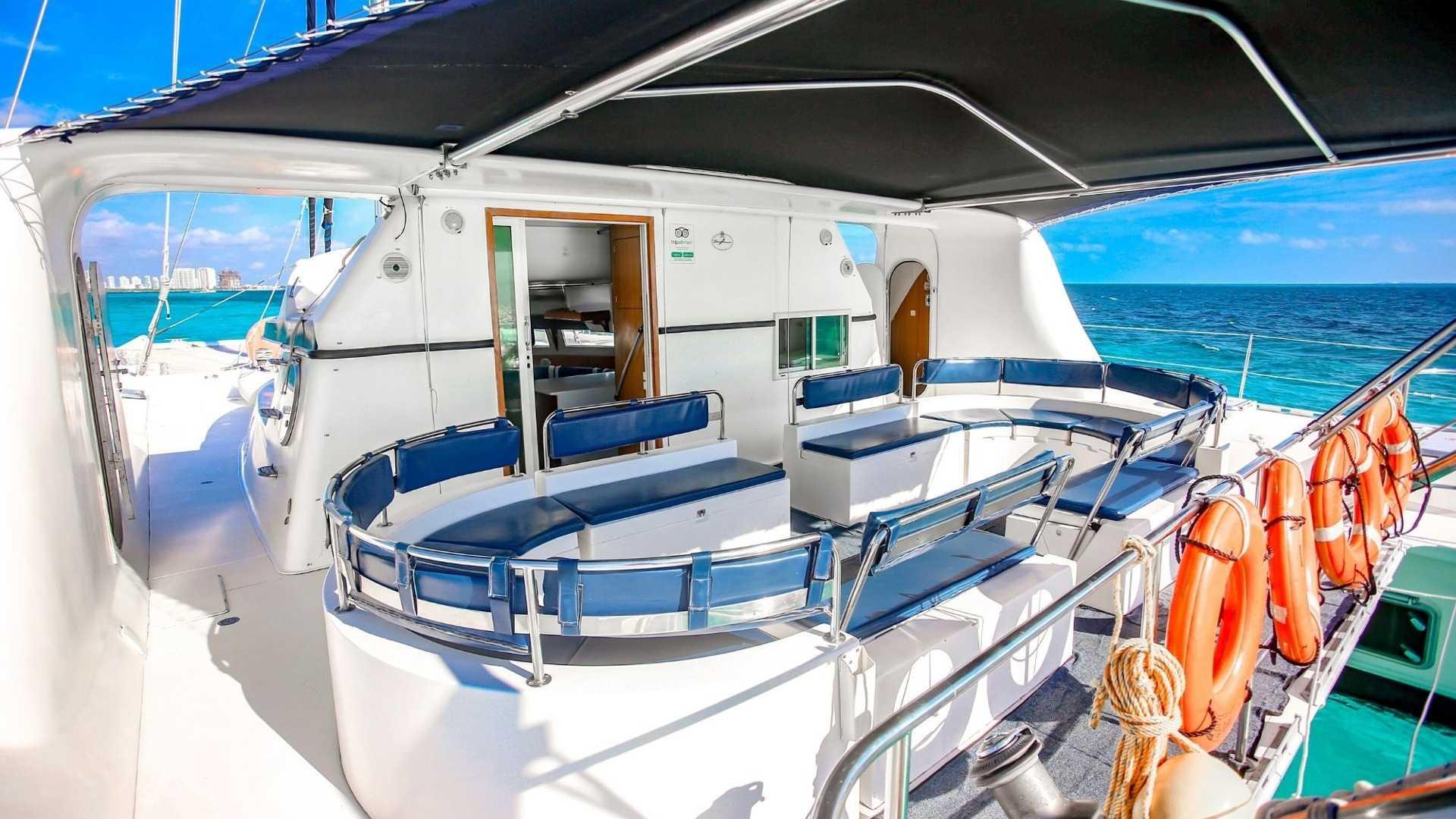 4 - LoRes - Amazing - Isla Mujeres Catamaran Tour - Cancun Sailing