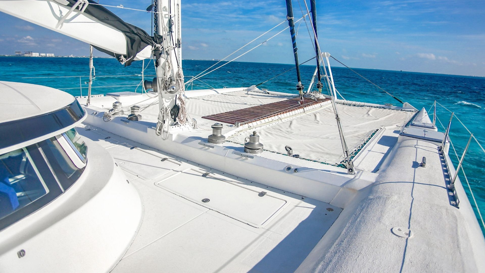 5 - LoRes - Amazing - Isla Mujeres Catamaran Tour - Cancun Sailing