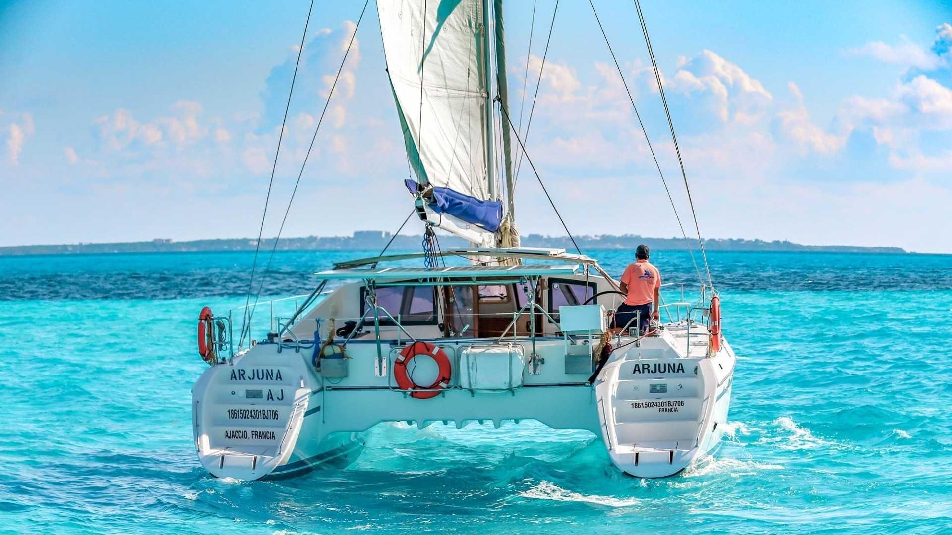 4 - LoRes - Arjuna - Isla Mujeres Catamaran Tour - Cancun Sailing