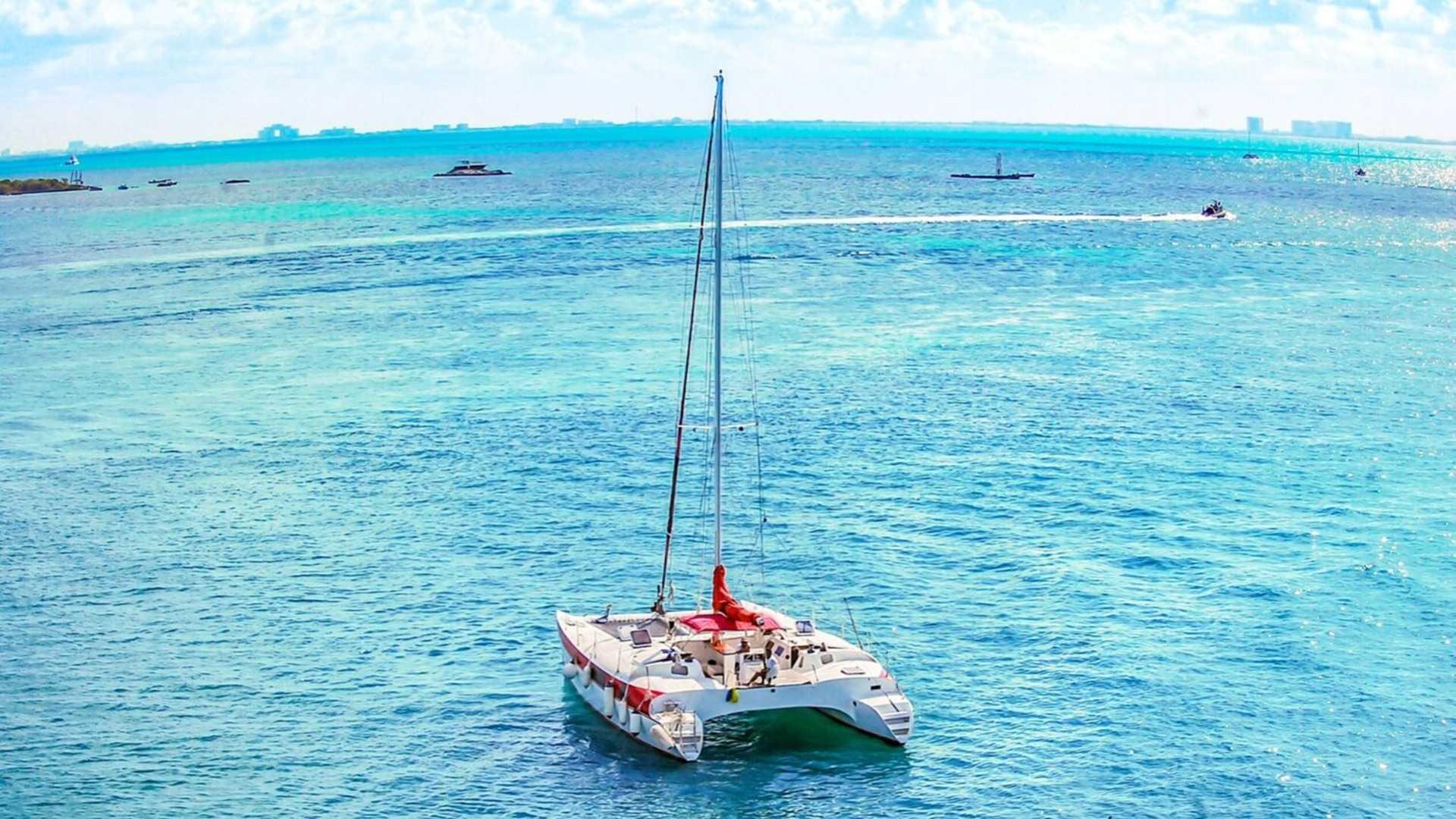 2 - LoRes - Aventuras - Isla Mujeres Catamaran Tour - Cancun Sailing