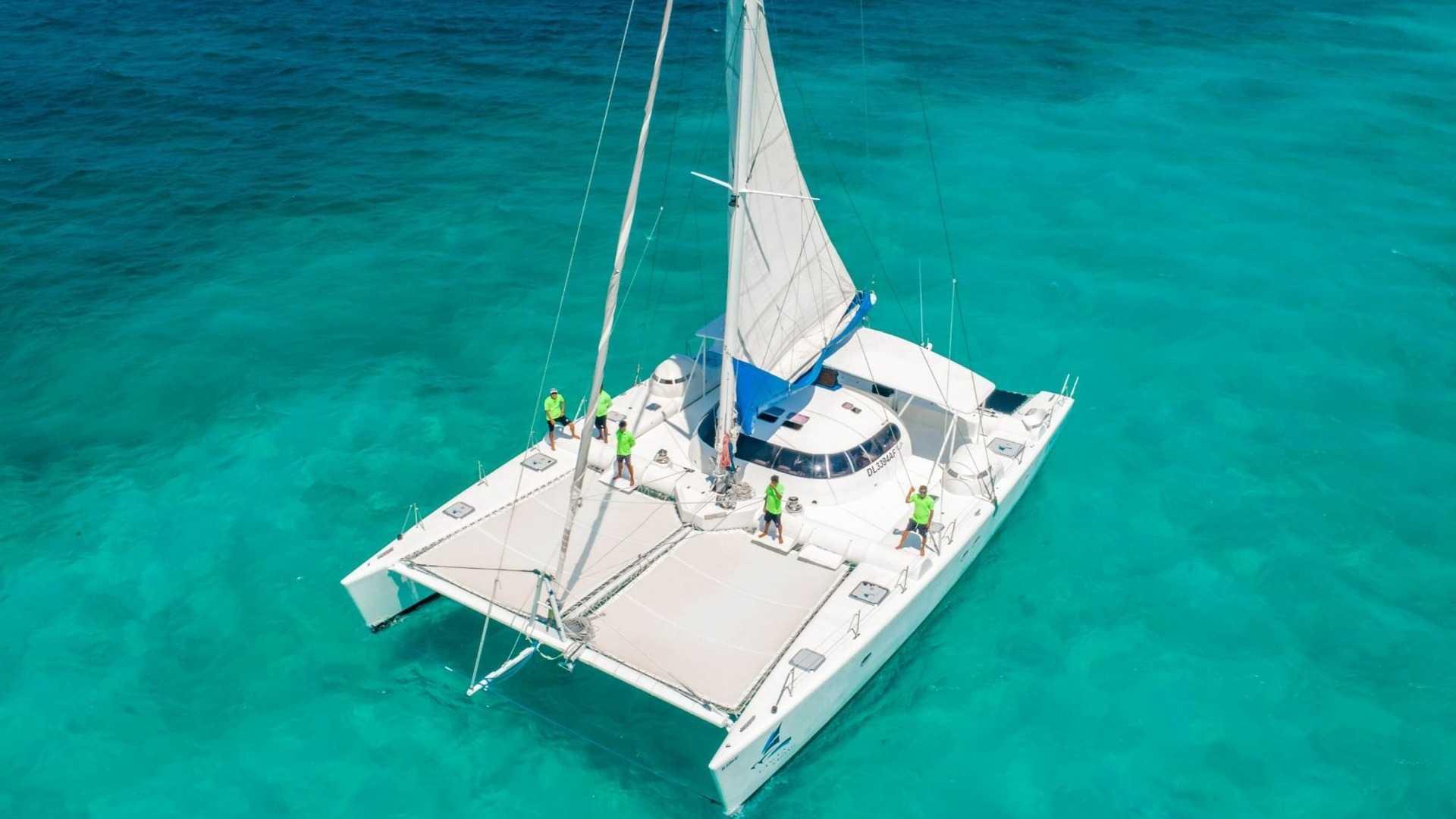 2 - LoRes - Induna - Isla Mujeres Catamaran Tour - Cancun Sailing