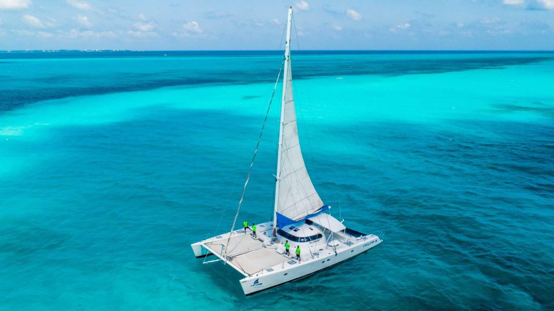 3 - LoRes - Induna - Isla Mujeres Catamaran Tour - Cancun Sailing