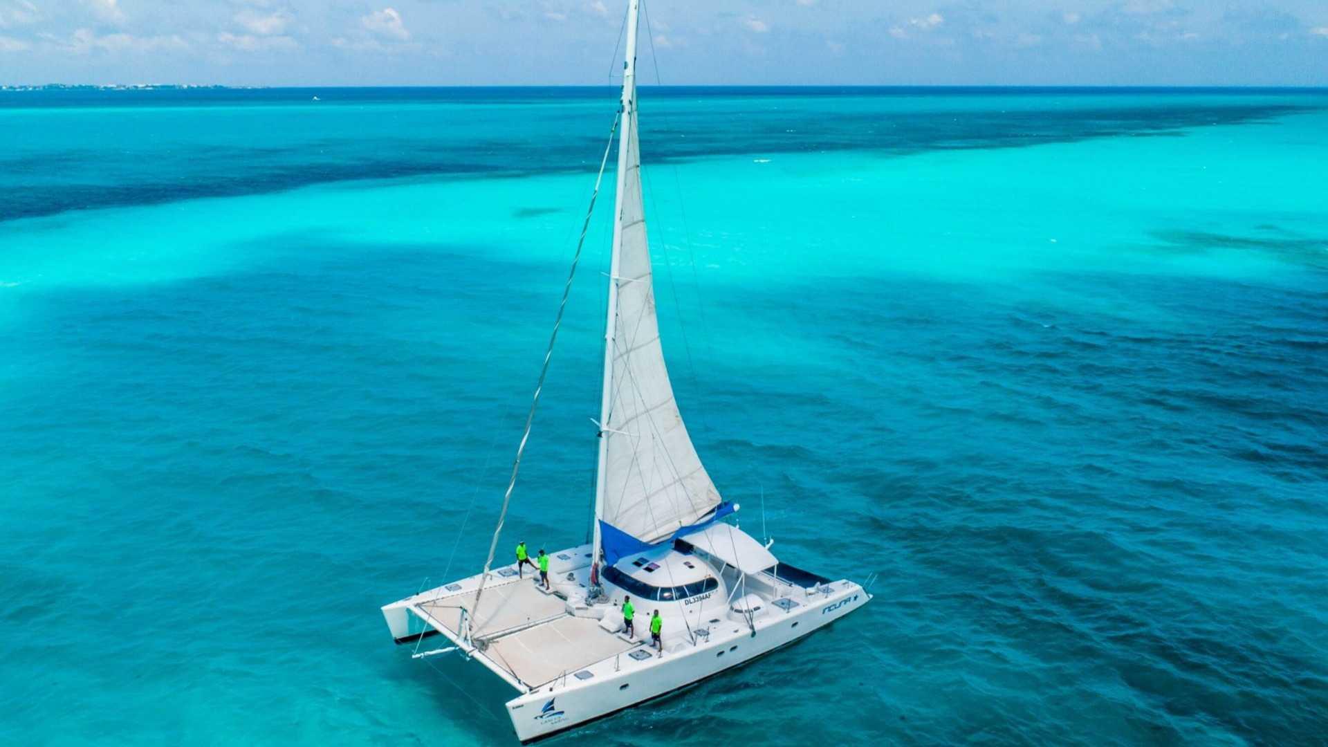 8 - LoRes - Induna - Isla Mujeres Catamaran Tour - Cancun Sailing