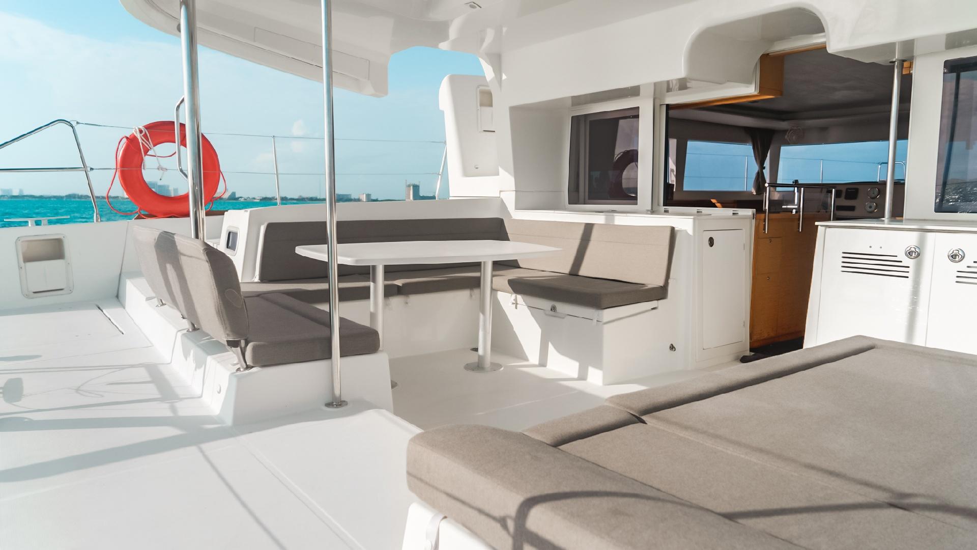 1 - LowRes - Lohengrin - Private tour to Isla Mujeres in catamaran - Cancun Sailing
