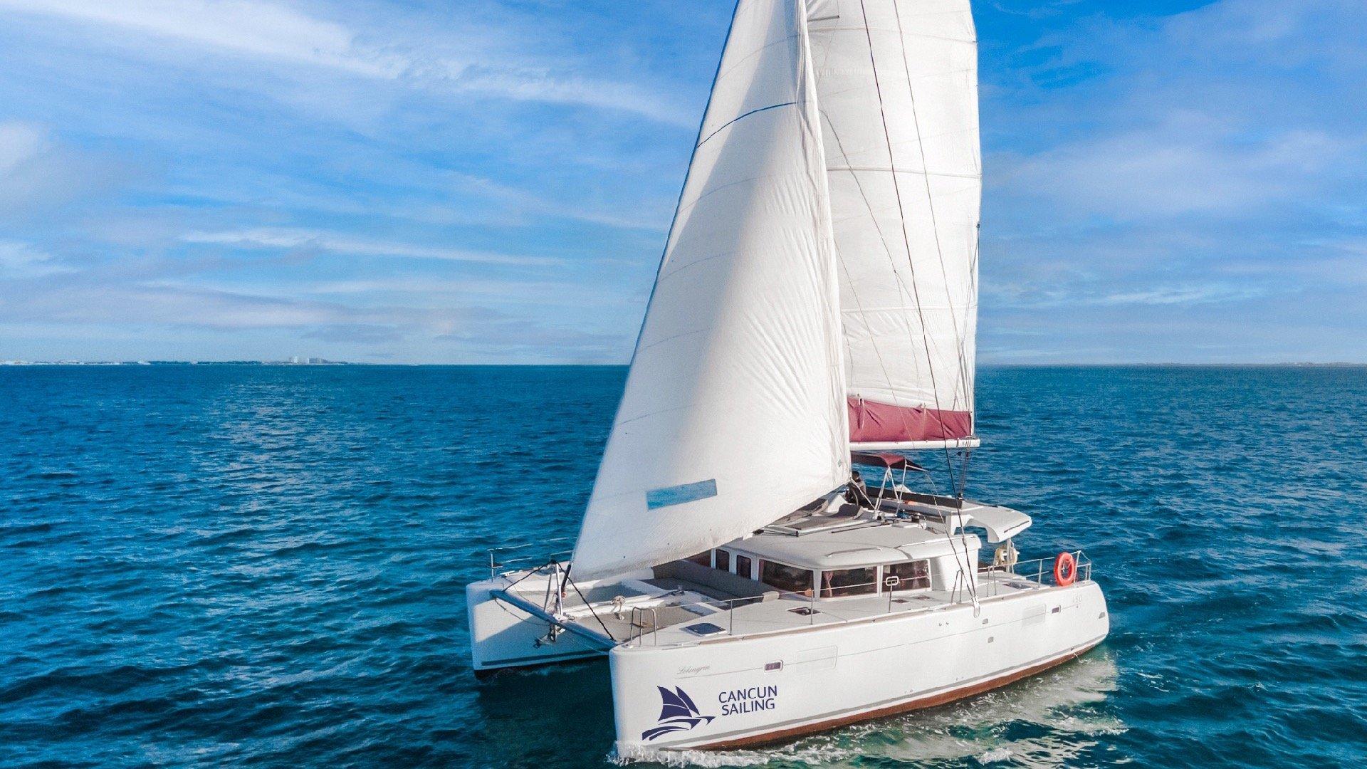 2 - LowRes - Lohengrin - Private tour to Isla Mujeres in catamaran - Cancun Sailing