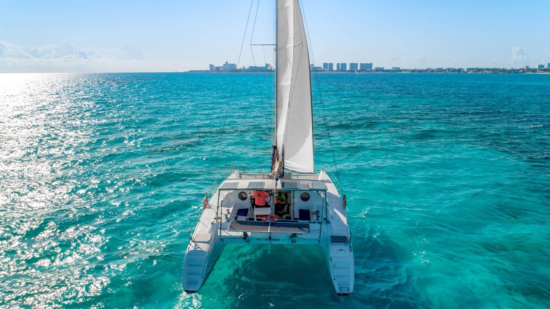 3 - LowRes - Manta - Isla Mujeres Catamaran Tour - Cancun Sailing