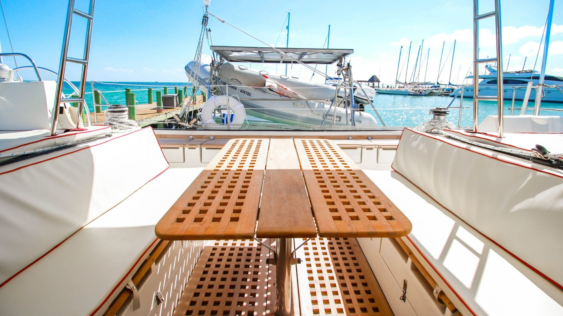 1 - LowRes - Max - Private tour to Isla Mujeres in catamaran - Cancun Sailing