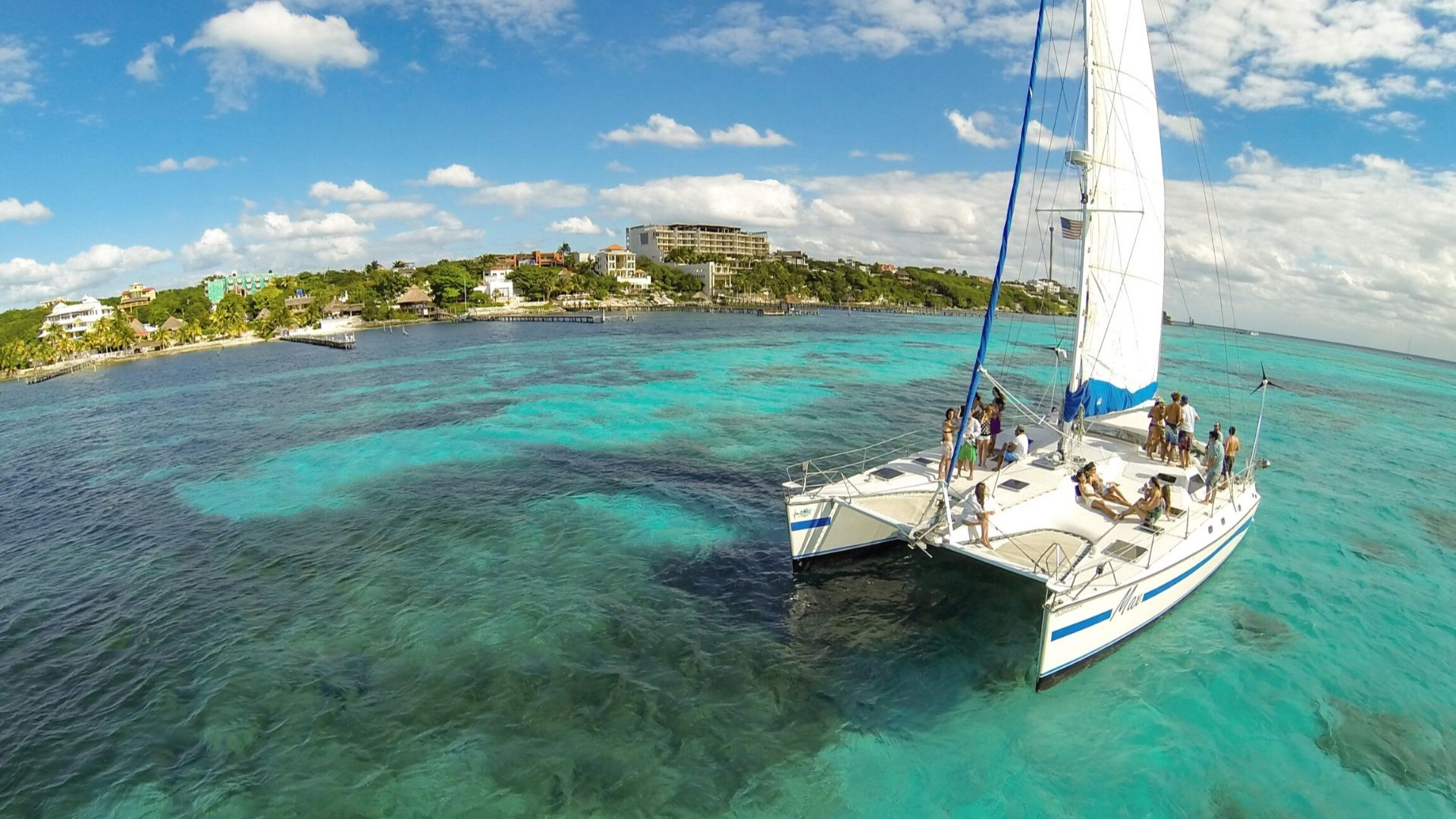 2 - LowRes - Max - Private tour to Isla Mujeres in catamaran - Cancun Sailing