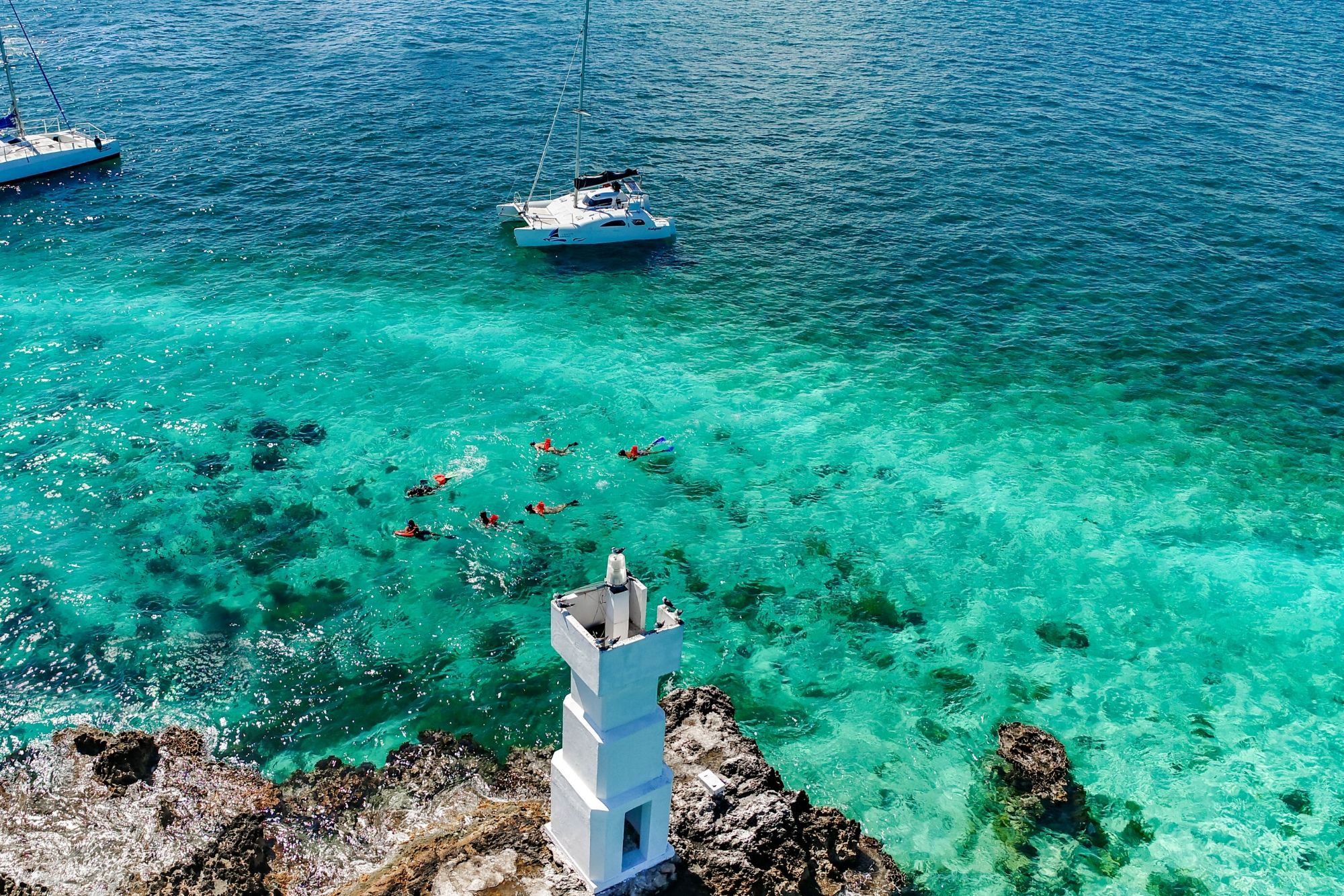 3 Nal Gone - Private tour to Isla Mujeres in catamaran - Cancun Sailing