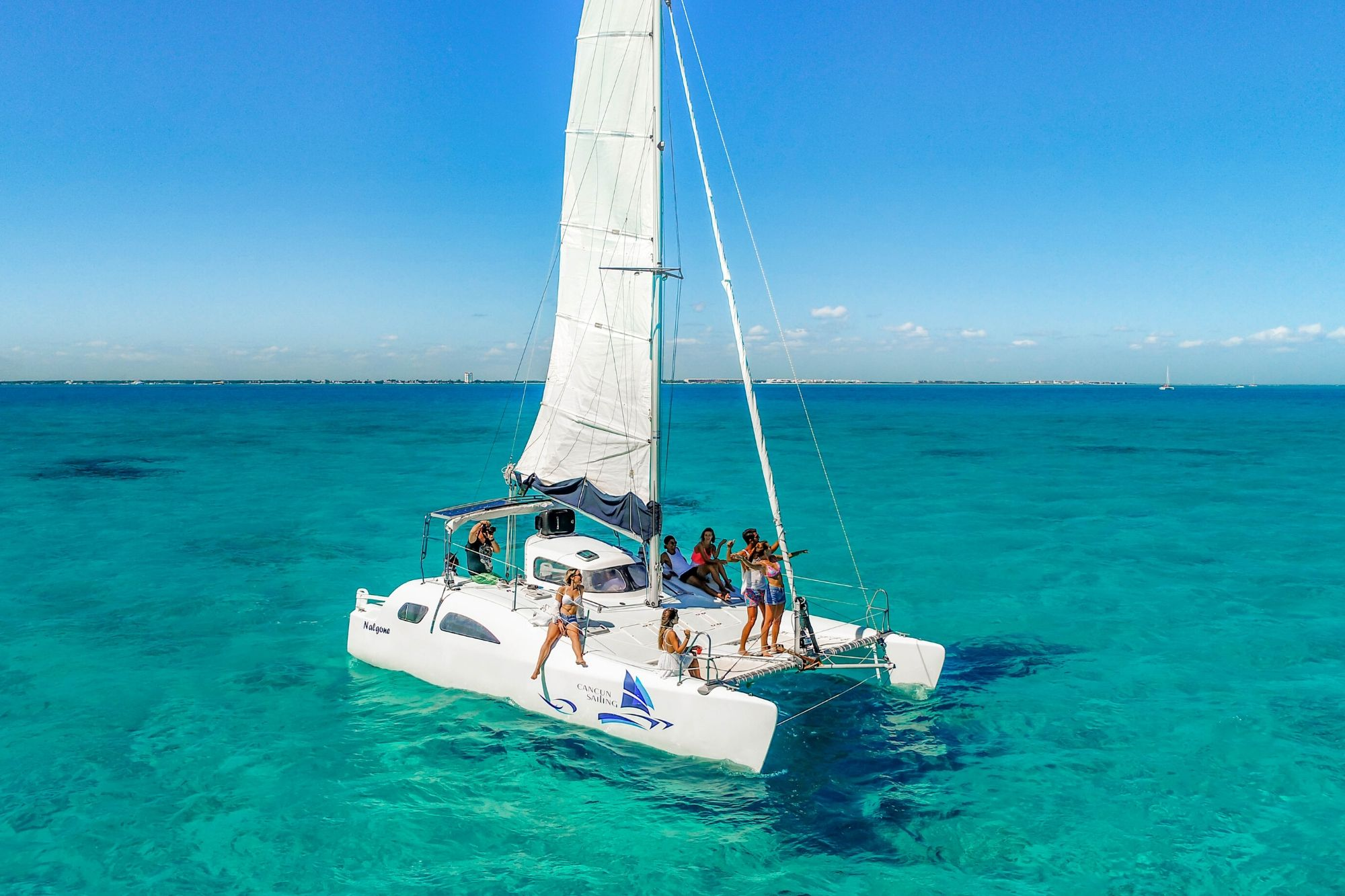 4 Nal Gone - Private tour to Isla Mujeres in catamaran - Cancun Sailing