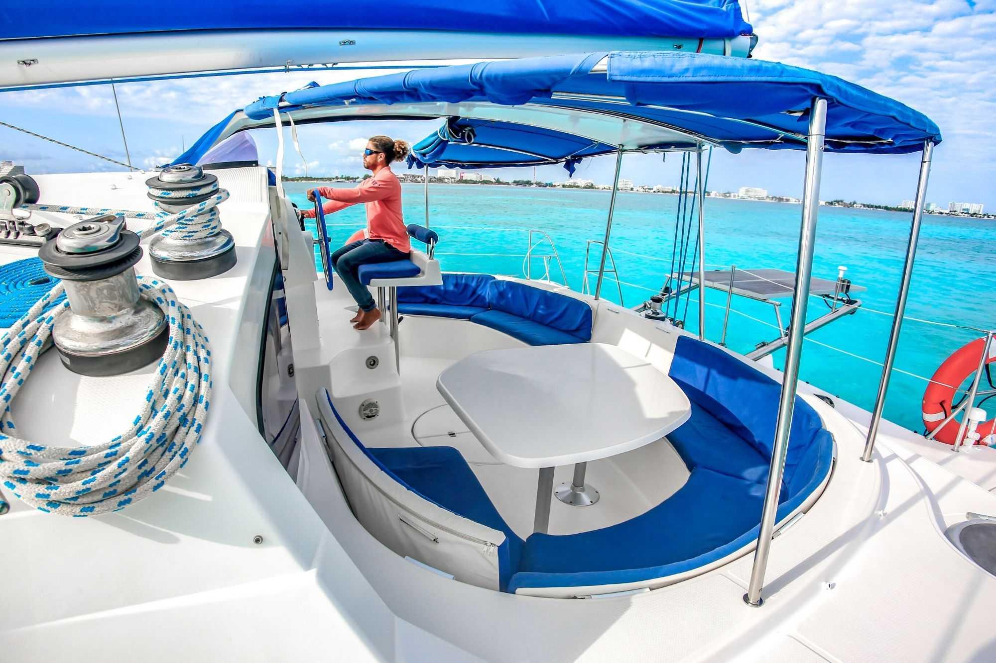 4 Vents - Isla Mujeres Catamaran Tour - Cancun Sailing 3
