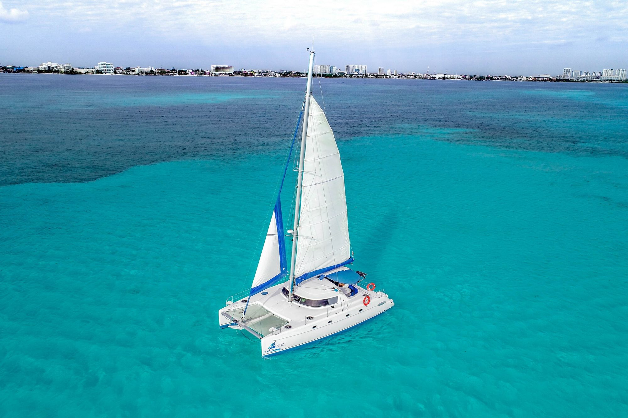 4 Vents - Isla Mujeres Catamaran Tour - Cancun Sailing 5