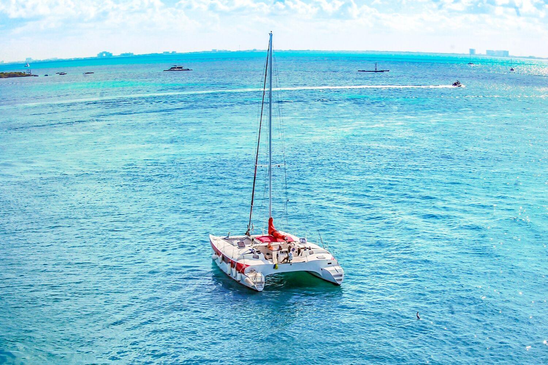 Aventuras 2000 X 1333 - Isla Mujeres Catamaran Tour - Cancun Sailing - 2