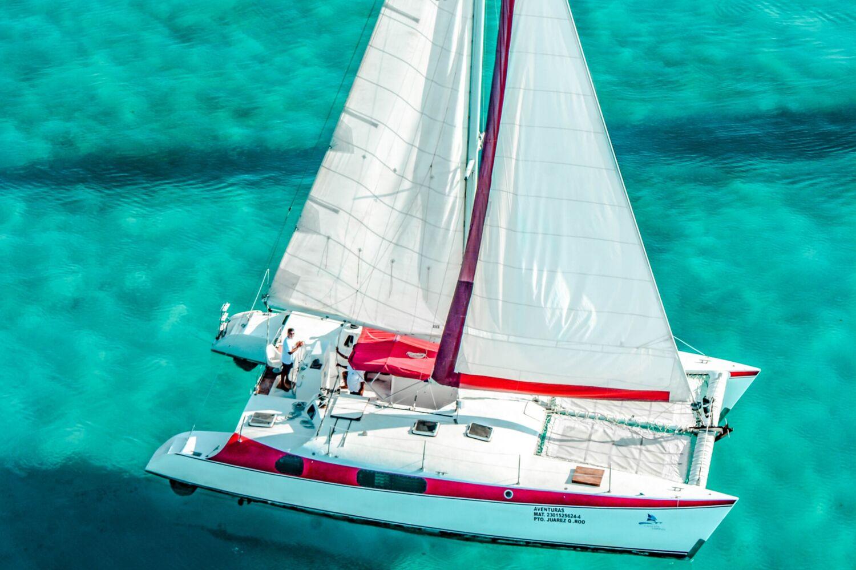 Aventuras 2000 X 1333 - Isla Mujeres Catamaran Tour - Cancun Sailing - 4