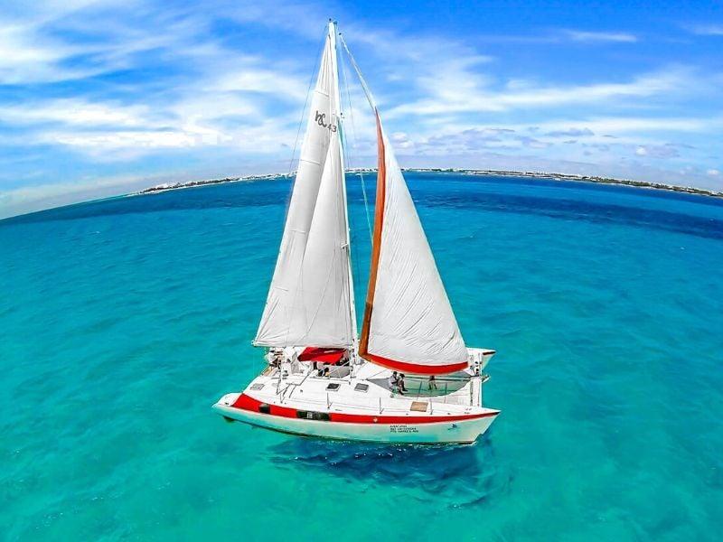 Aventuras 800x600 - Isla Mujeres Catamaran Tour - Cancun Sailing