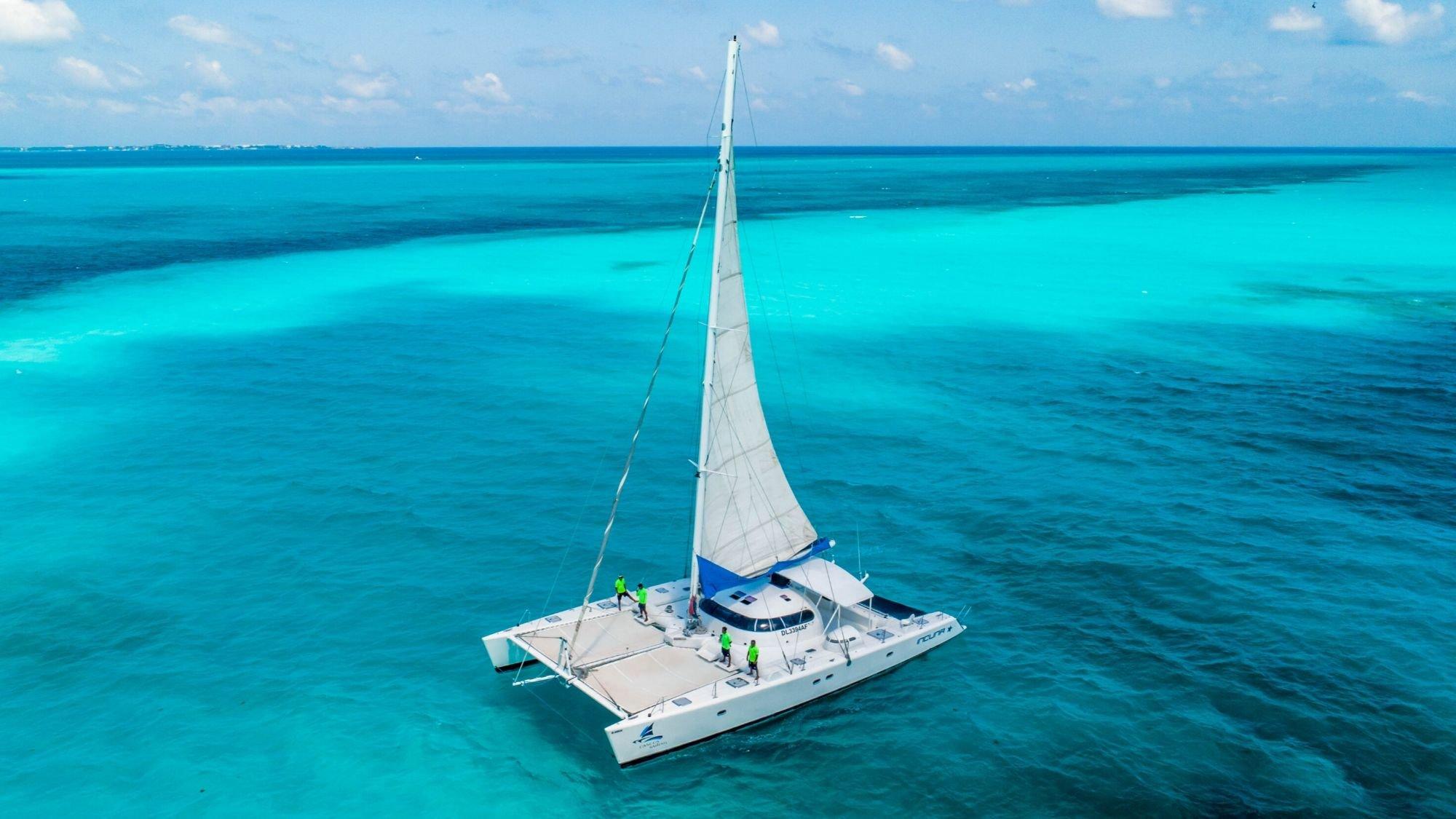 Induna - Isla Mujeres Catamaran Tour - Cancun Sailing - 2000px