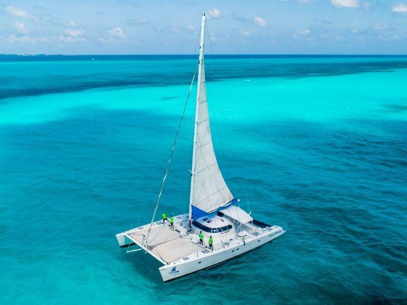 Induna 800x600 - Isla Mujeres Catamaran Tour - Cancun Sailing
