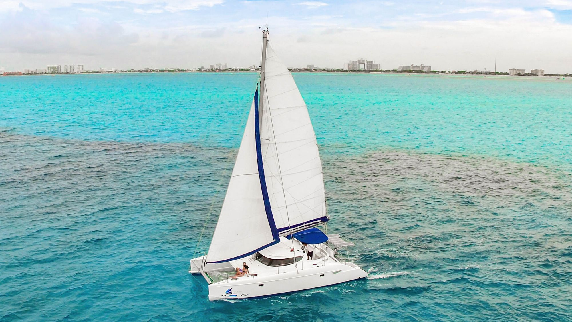 Malube - Isla Mujeres Catamaran Tour - Cancun Sailing - 2000px