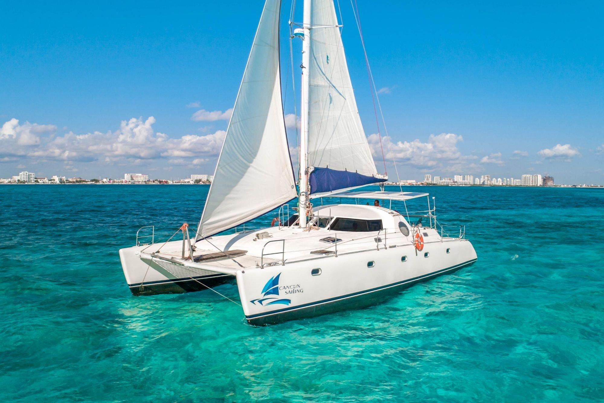 Manta - Isla Mujeres Catamaran Tour - Cancun Sailing 4