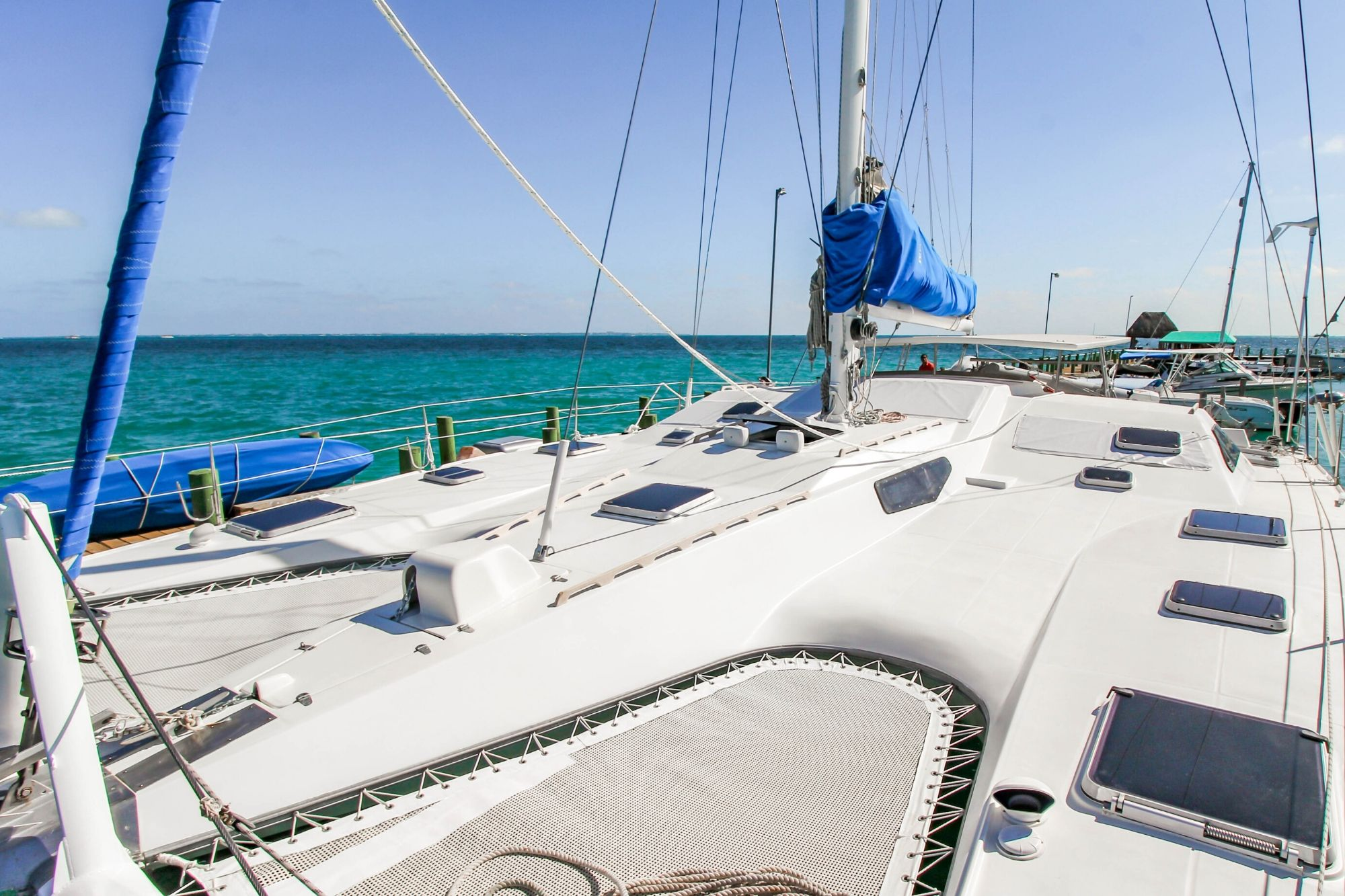 4 Max - Private tour to Isla Mujeres in catamaran - Cancun Sailing