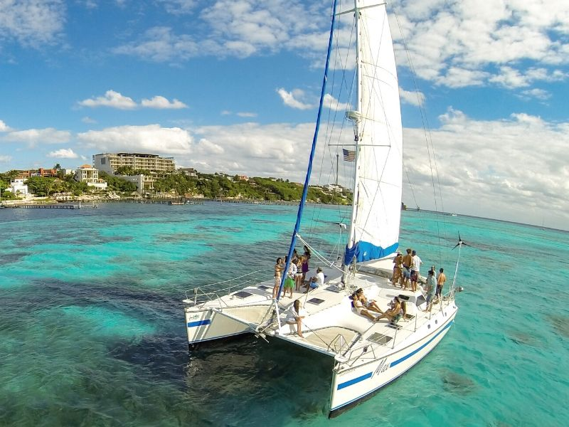 Max 800x600 - Isla Mujeres Catamaran Tour - Cancun Sailing