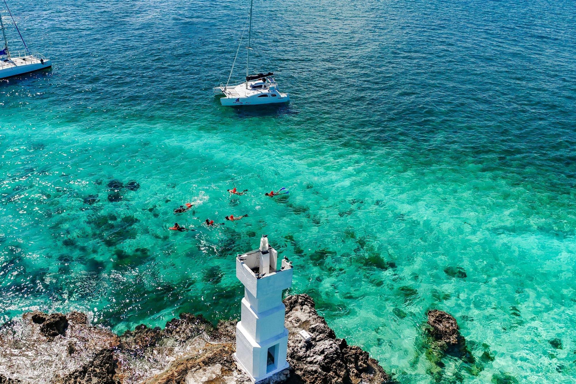 3 Nal Gone - Tour privado a Isla Mujeres en catamaran - Cancun Sailing