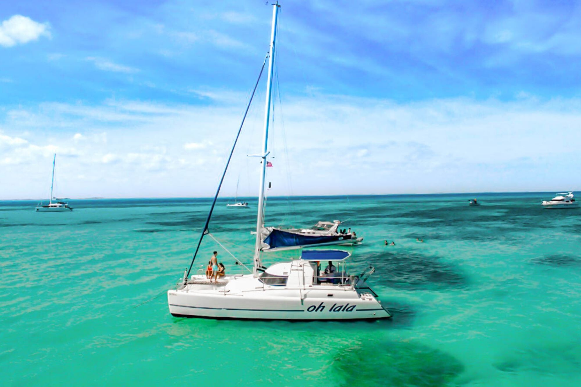 2 Private tour to Isla Mujeres in catamaran - Cancun Sailing