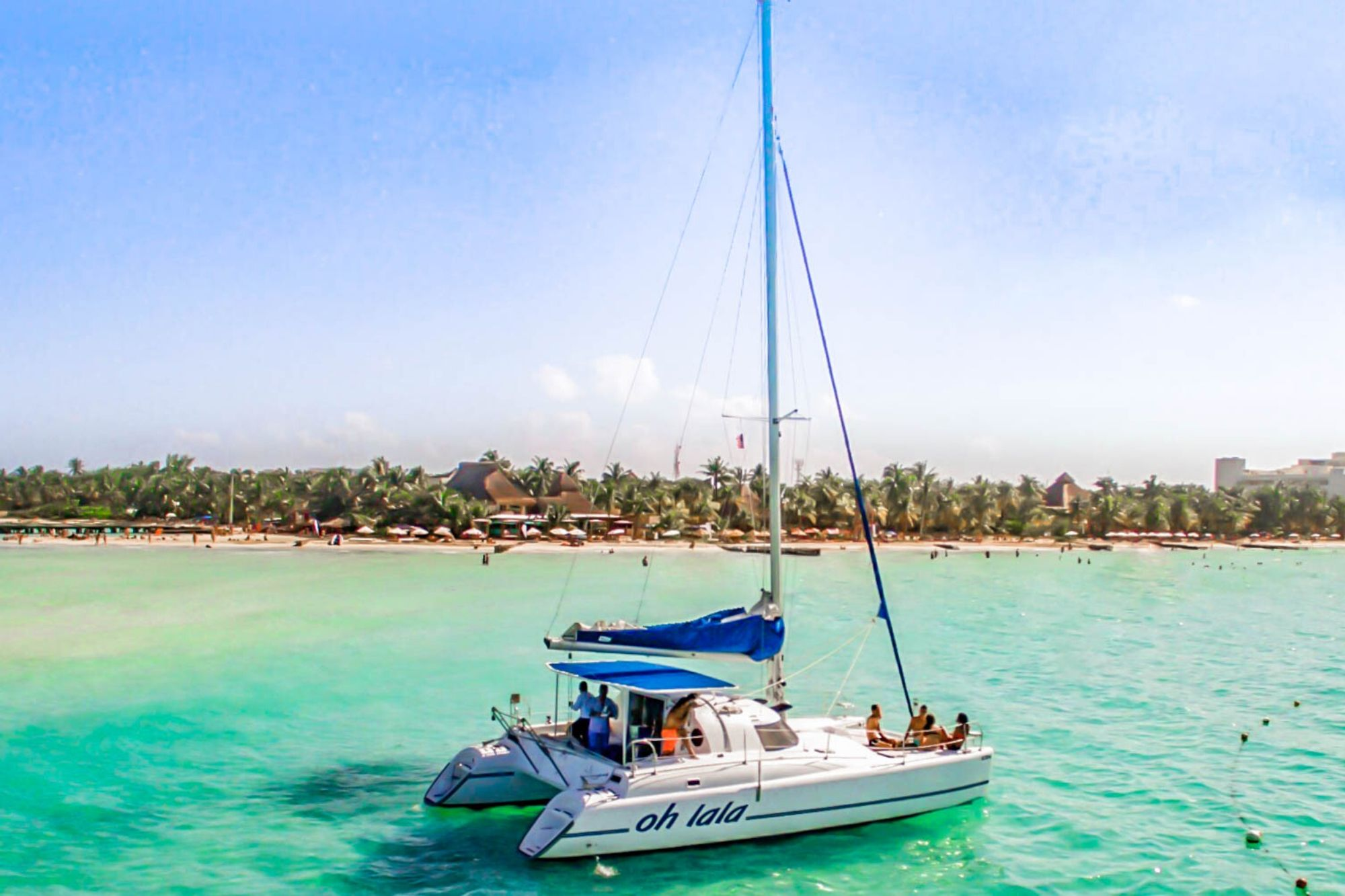 3 Private tour to Isla Mujeres in catamaran - Cancun Sailing