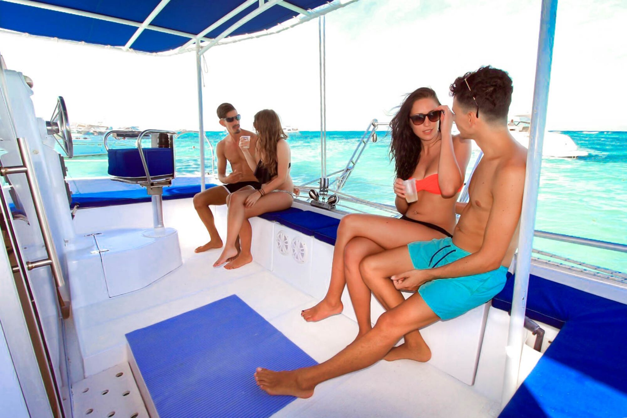 4 Private tour to Isla Mujeres in catamaran - Cancun Sailing