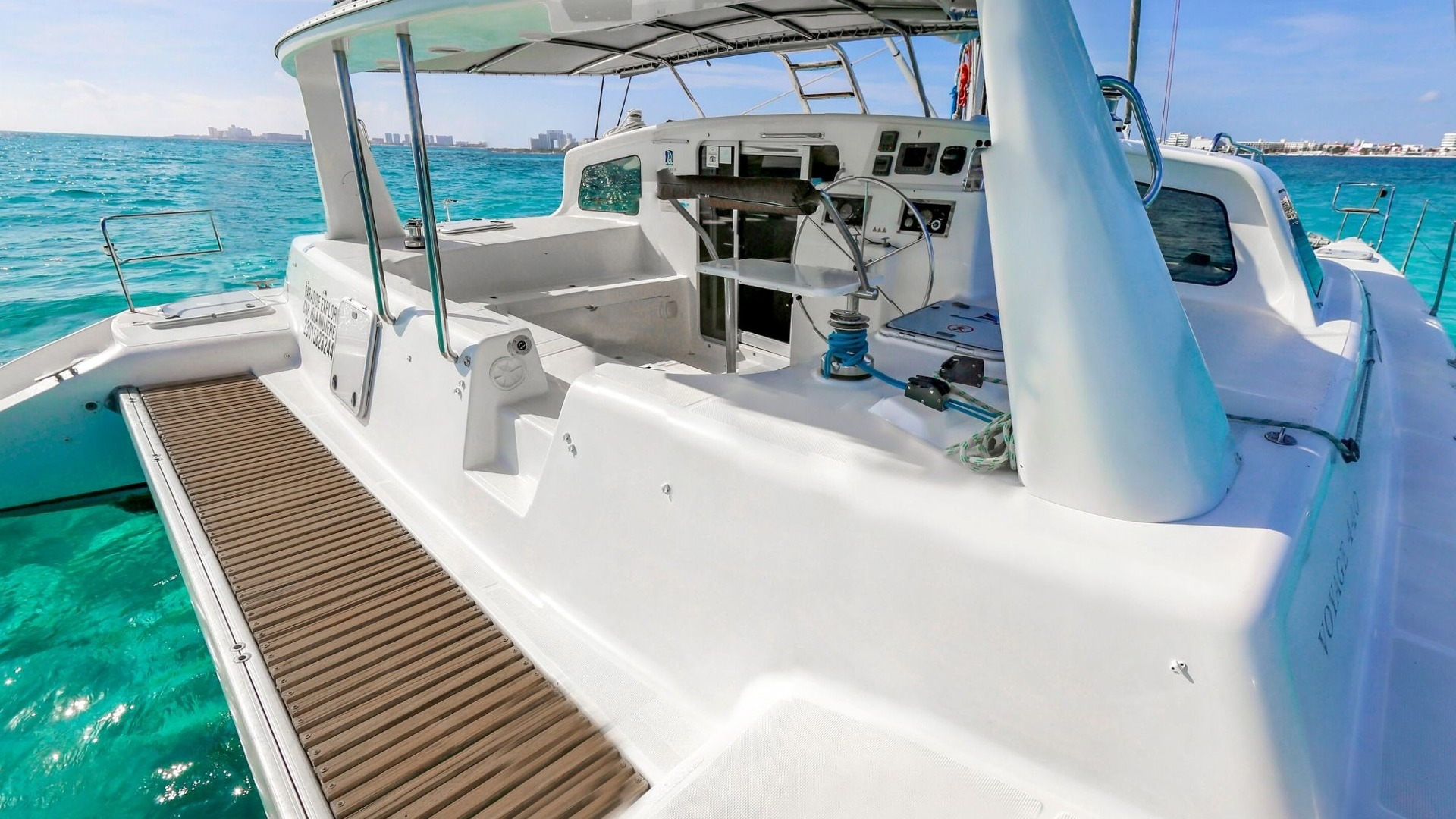Paradise explorer - Private Isla Mujeres catamaran tour - Cancun Sailing