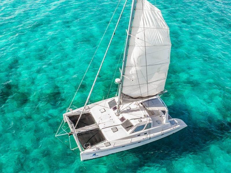 Paradise Explorer 800x600 - Isla Mujeres Catamaran Tour - Cancun Sailing
