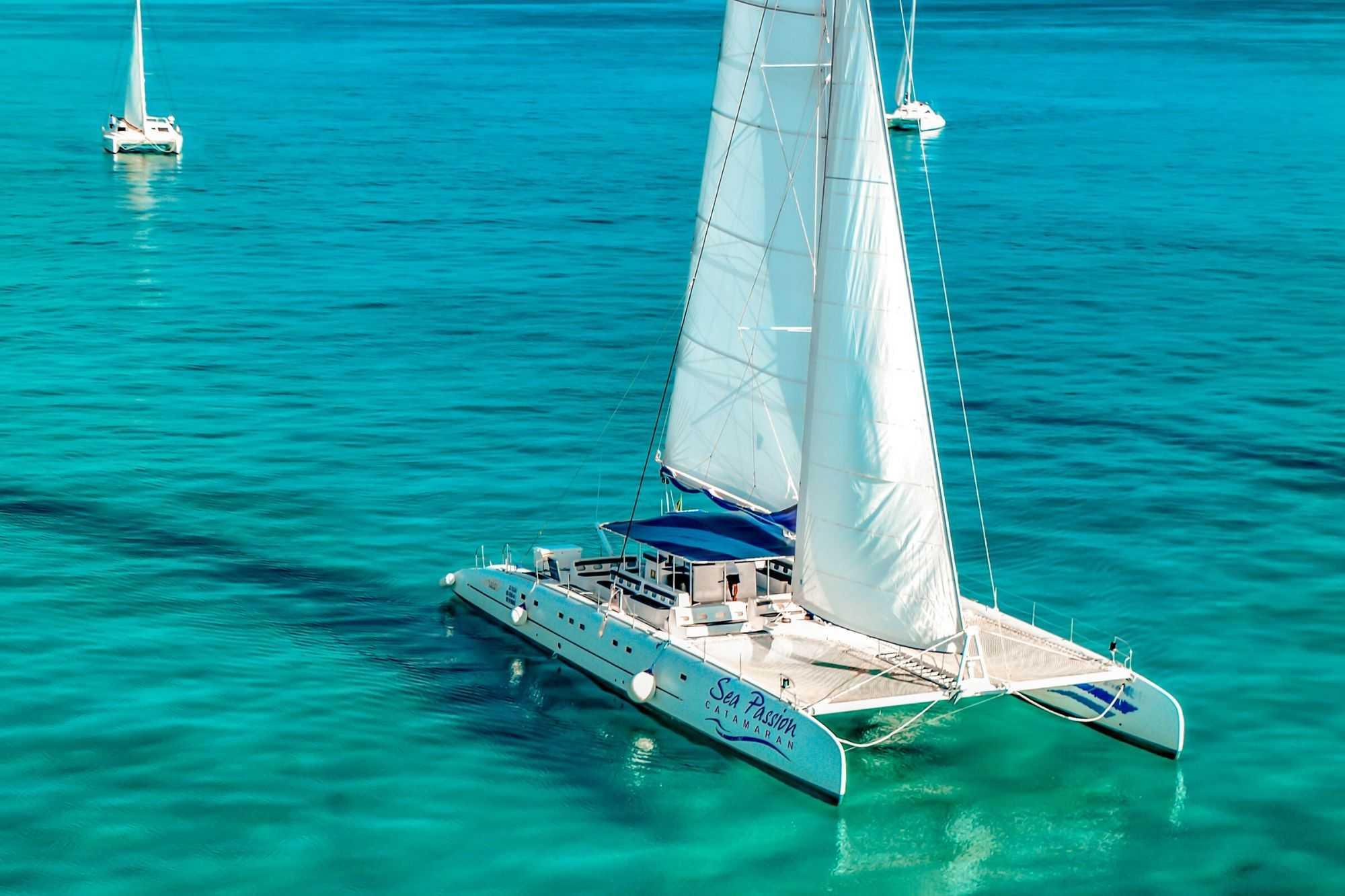 2 Private Isla Mujeres tour in catamaran - Sea Passion I II - Cancun Sailing