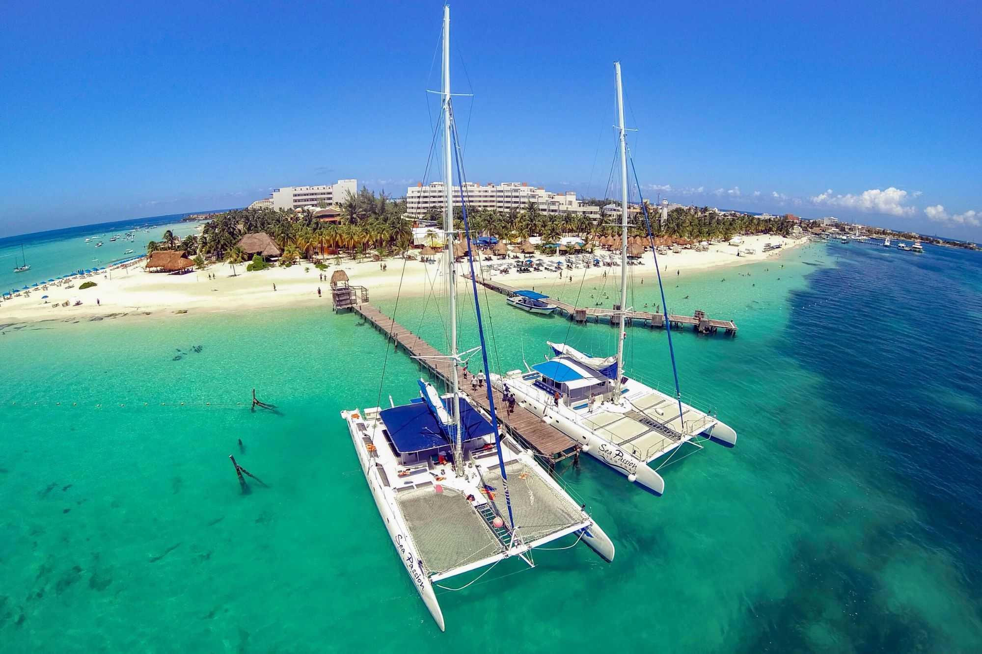 3 Private Isla Mujeres tour in catamaran - Sea Passion I II - Cancun Sailing