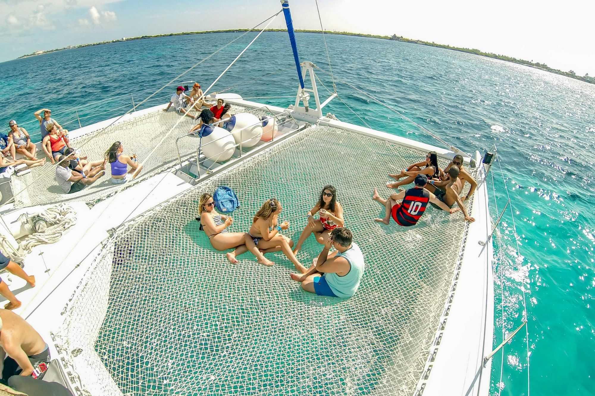 4 Private Isla Mujeres tour in catamaran - Sea Passion I II - Cancun Sailing