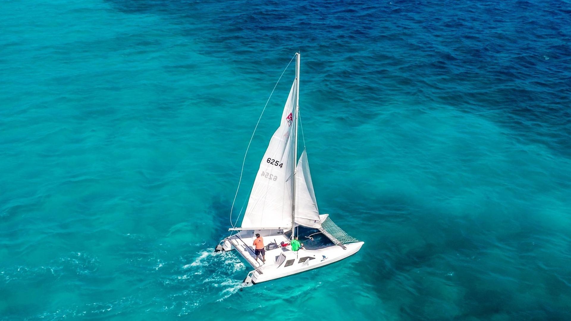 2 - LowRes - Private Isla Mujeres tour in catamaran - Seawind - Cancun Sailing