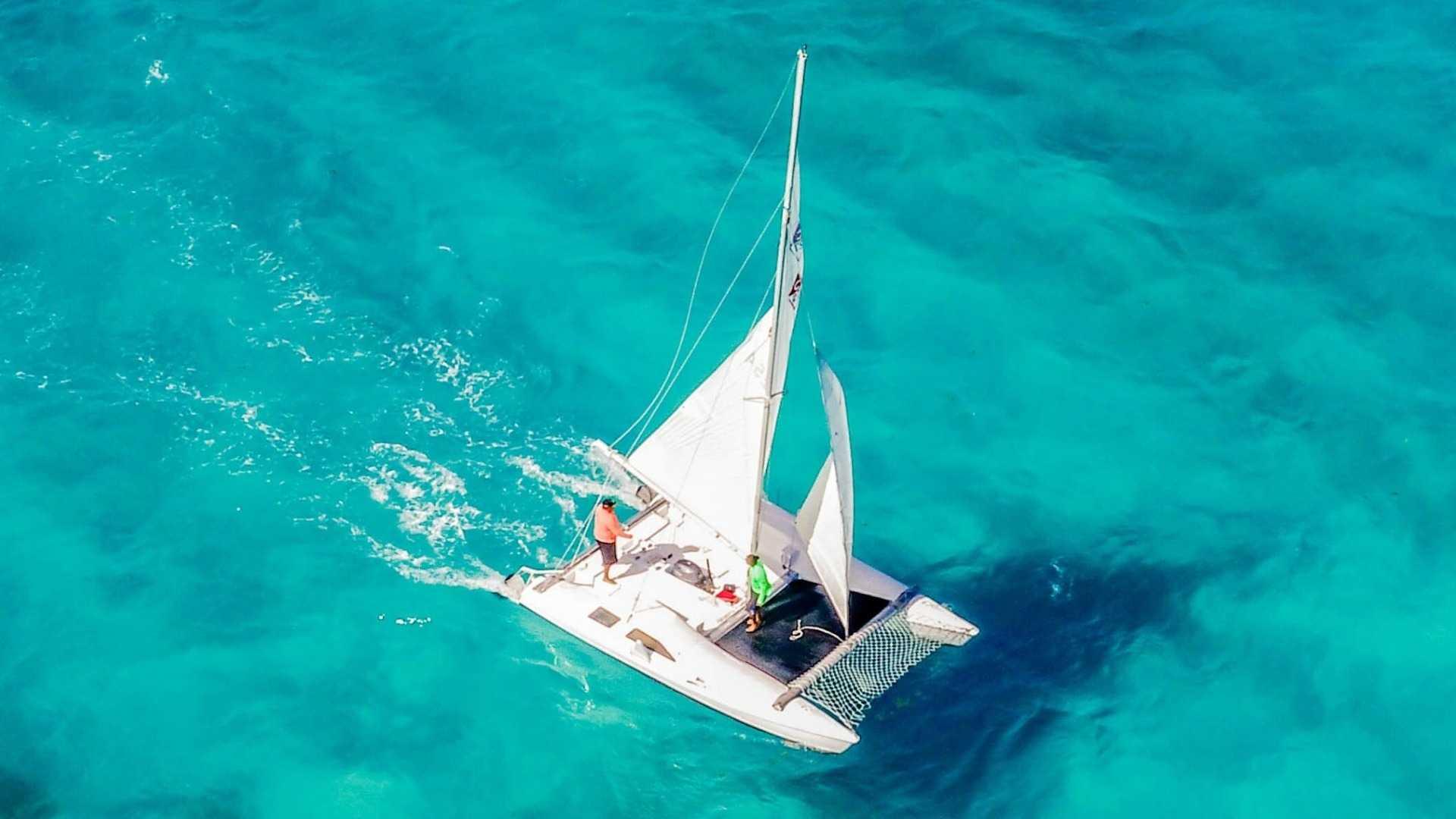 3 - LowRes - Private Isla Mujeres tour in catamaran - Seawind - Cancun Sailing