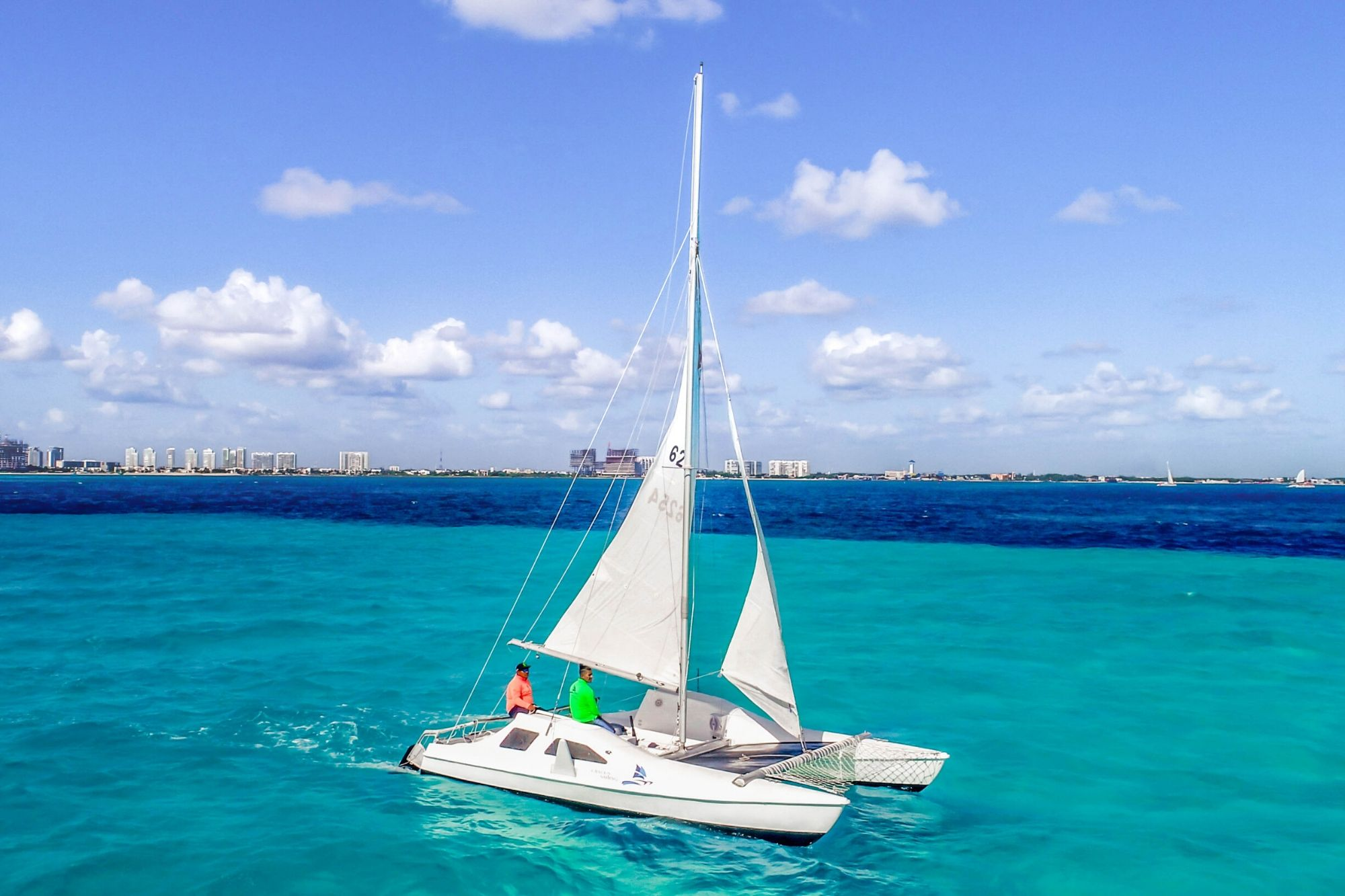 4 Private Isla Mujeres tour in catamaran - Seawind - Cancun Sailing