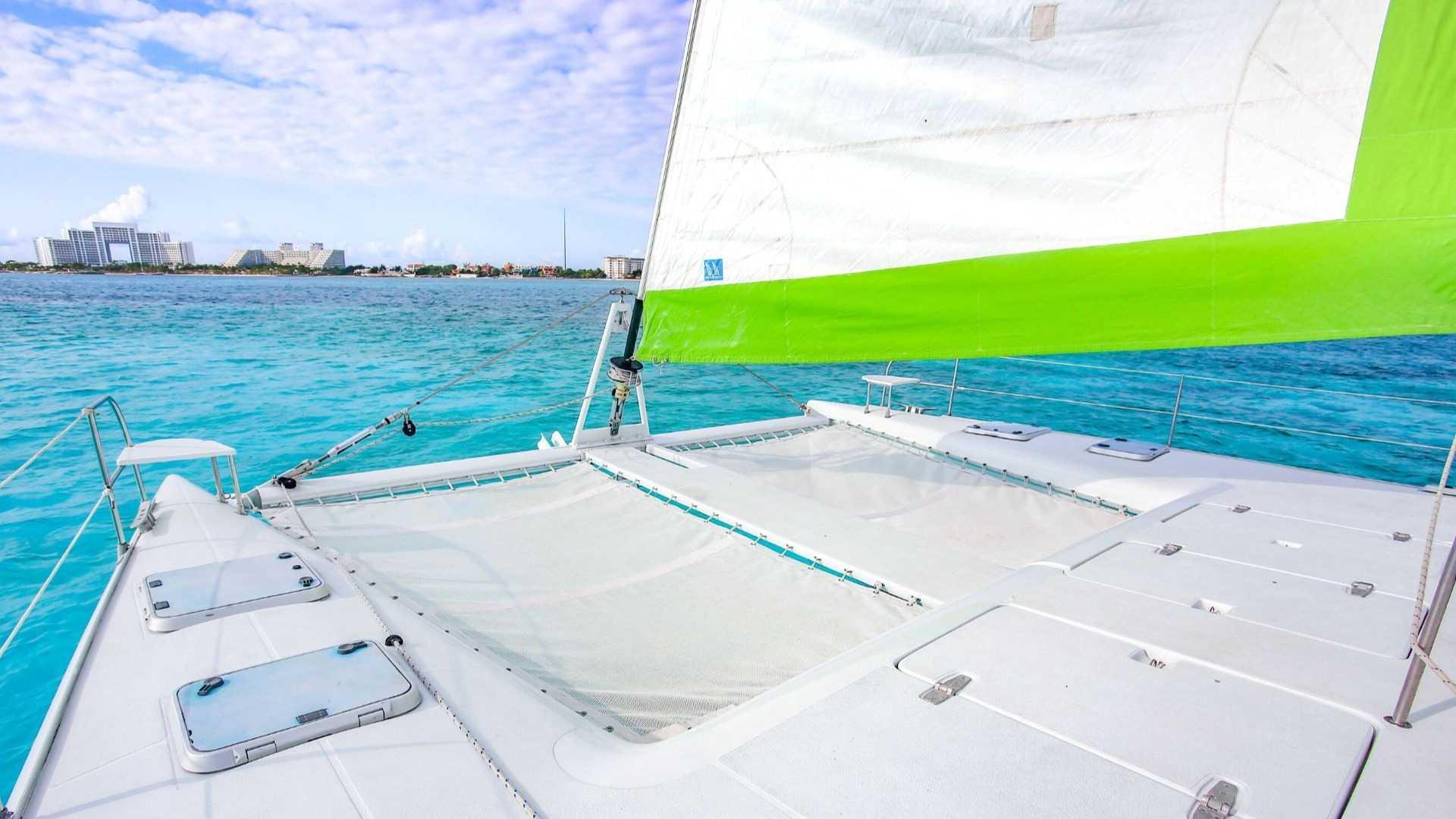 2 - LowRes - Private Isla Mujeres tour in Tiaré catamaran - Cancun Sailing