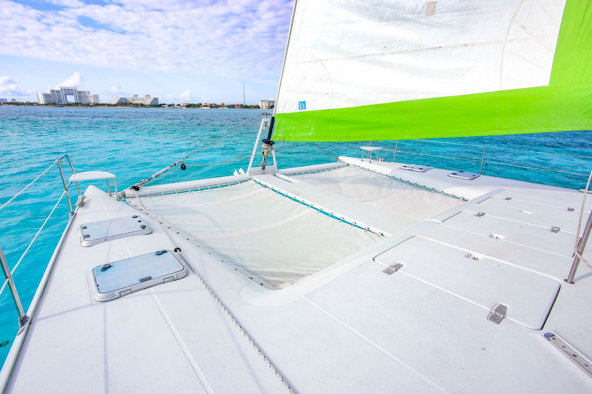 2 Private Isla Mujeres tour in Tiaré catamaran - Cancun Sailing