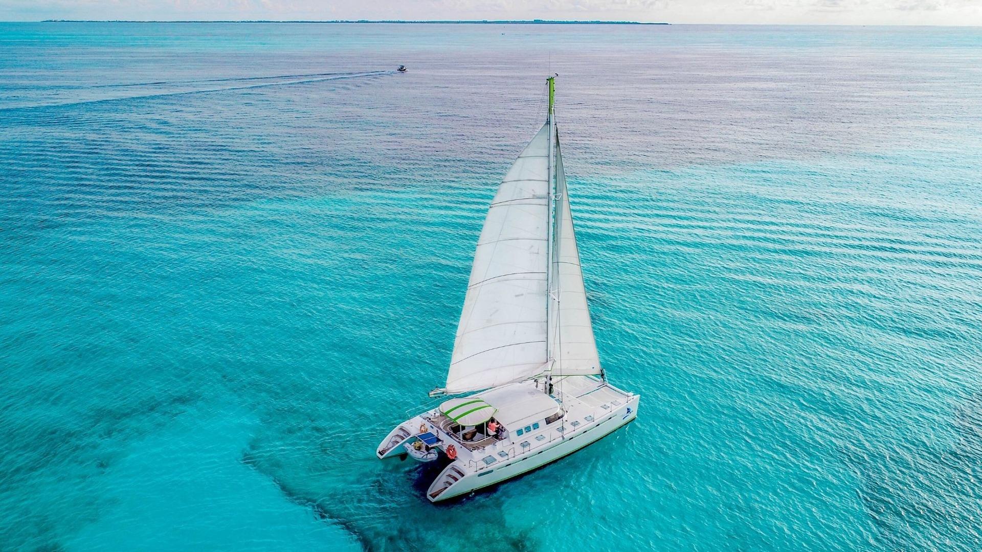 4 - LowRes - Private Isla Mujeres tour in Tiaré catamaran - Cancun Sailing