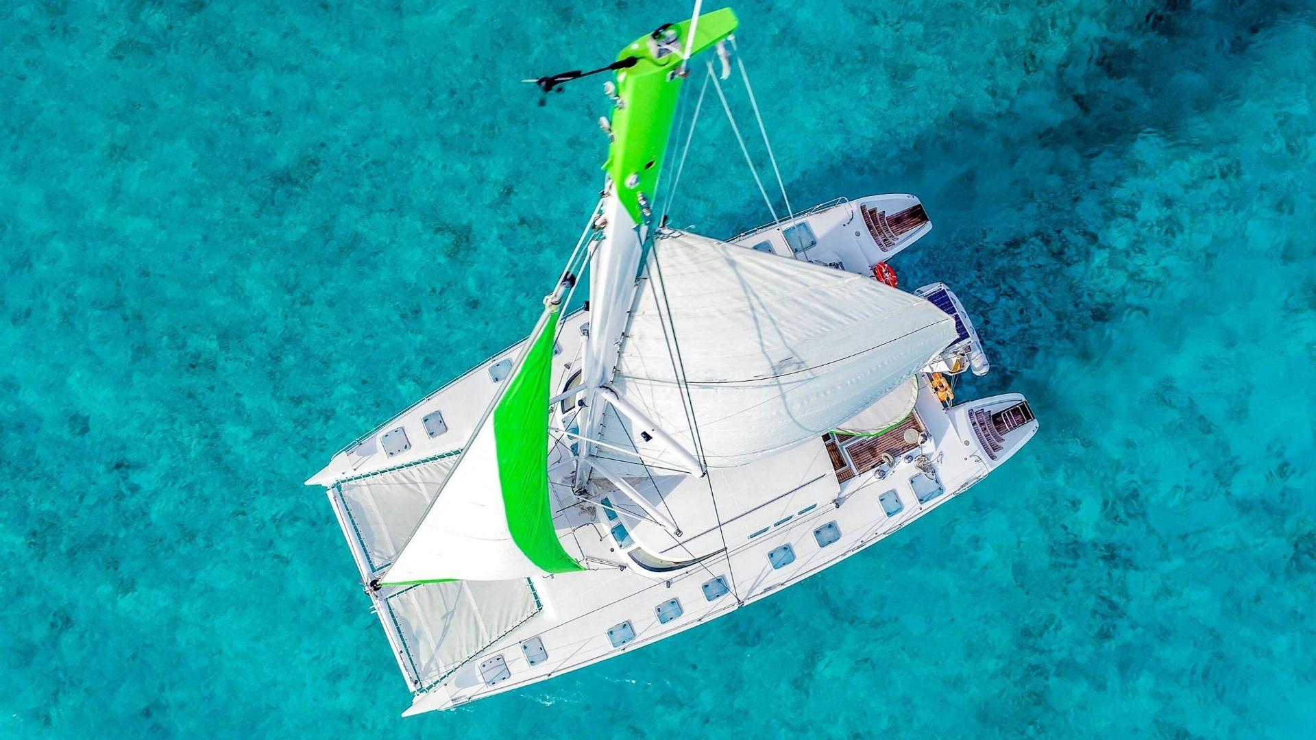 7 - LowRes - Private Isla Mujeres tour in Tiaré catamaran - Cancun Sailing