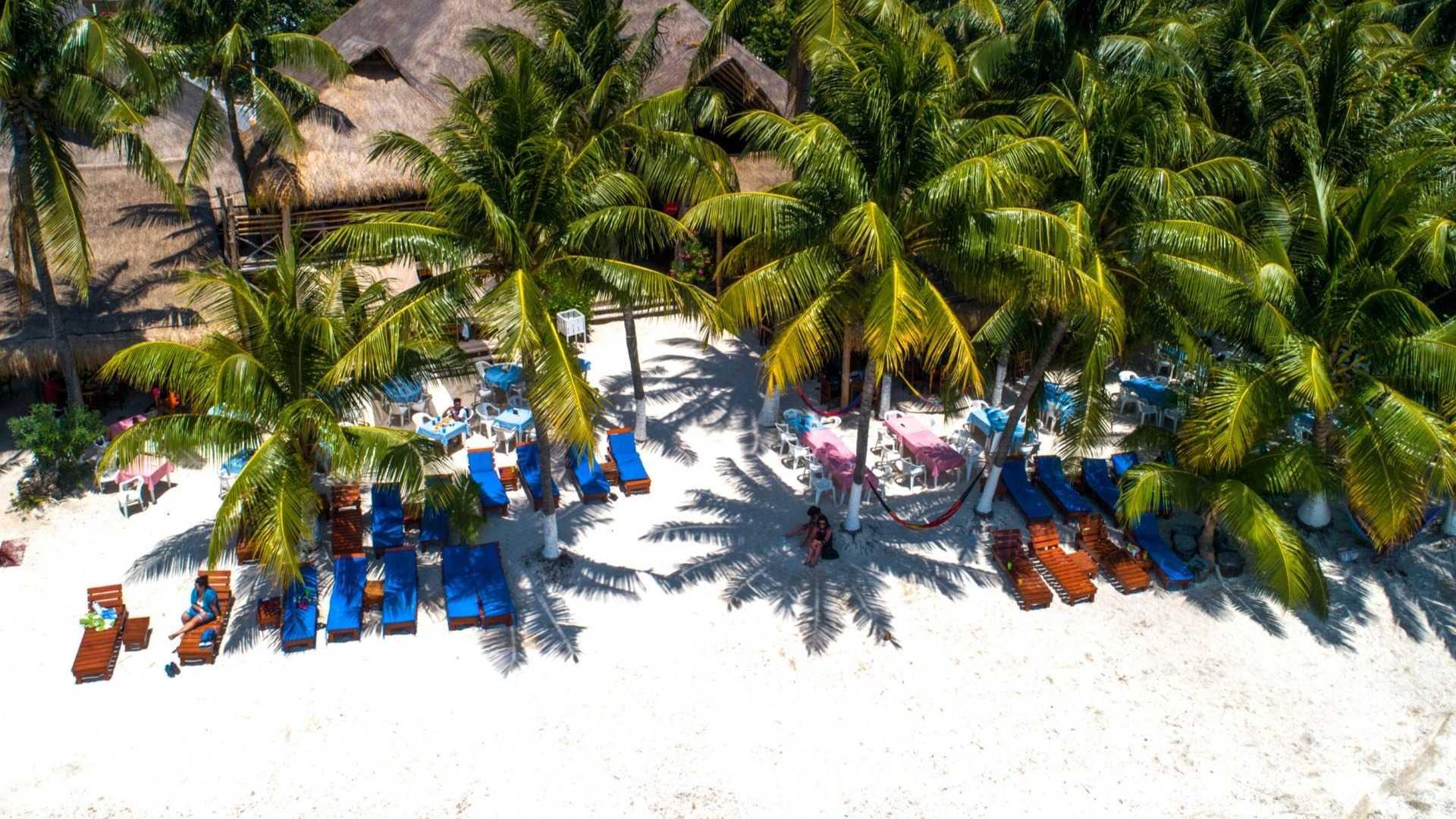 02 - Beach club - Playa Mexico - Ice Bar Isla Mujeres - Beach front