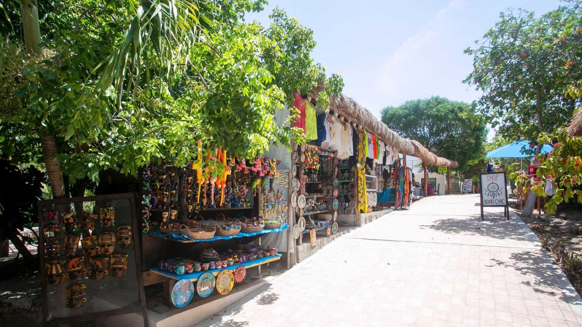 03 - Beach club - Playa Mexico - Ice Bar Isla Mujeres - Shopping