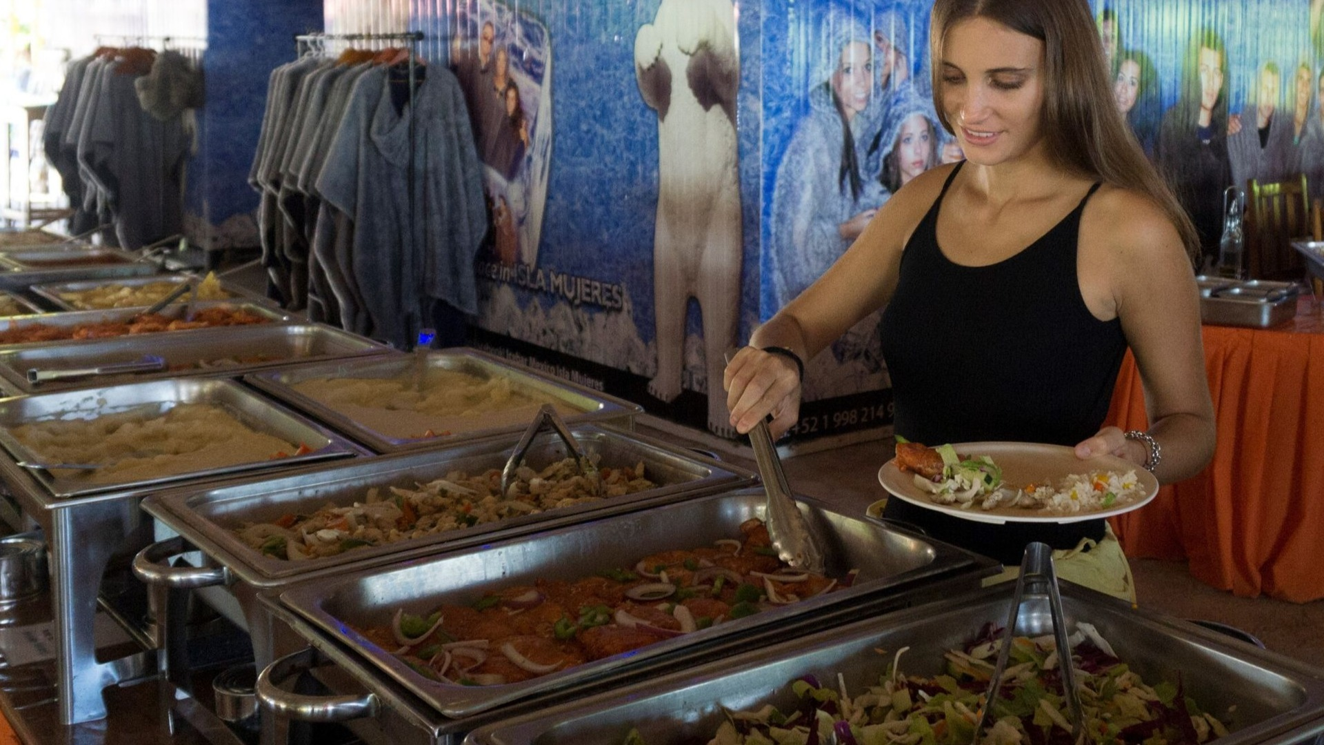 07 - Beach club - Playa Mexico - Ice Bar Isla Mujeres - Beach relaxing - Buffet food