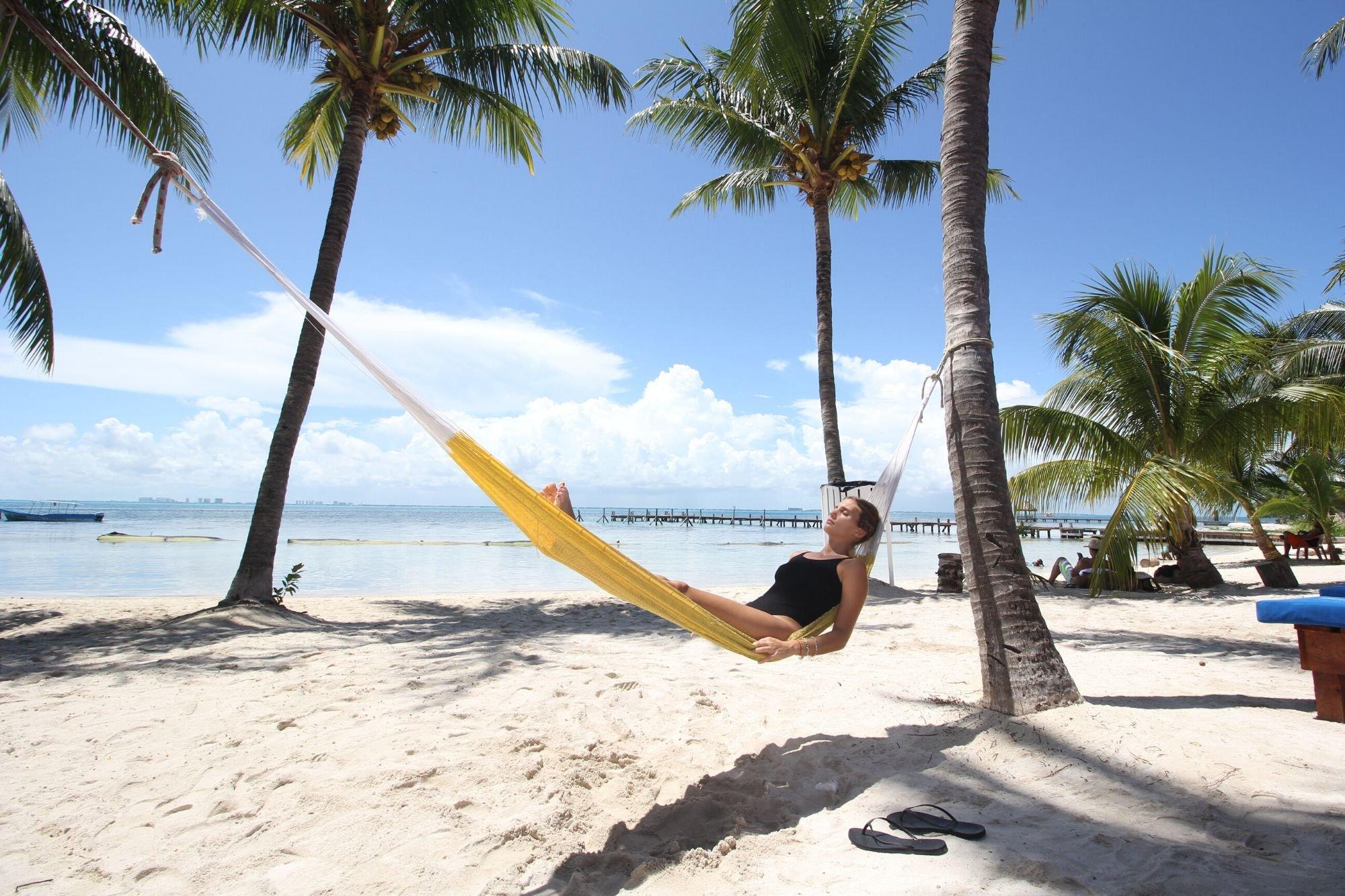 playa-mexico-beach-club-isla-mujeres-beach hammock-cancun-sailing