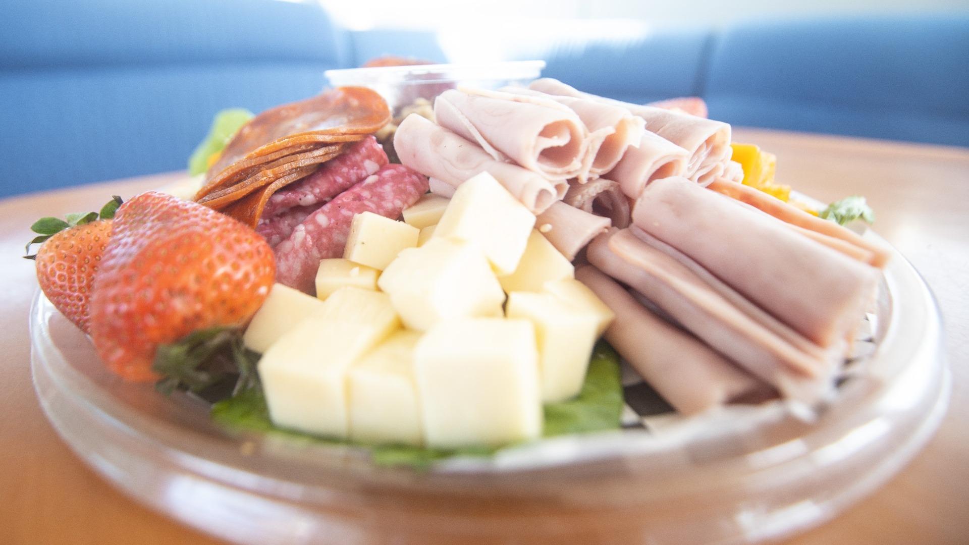 LowRes - Food Menu - Catamaran Charter - Cancun Sailing - 3