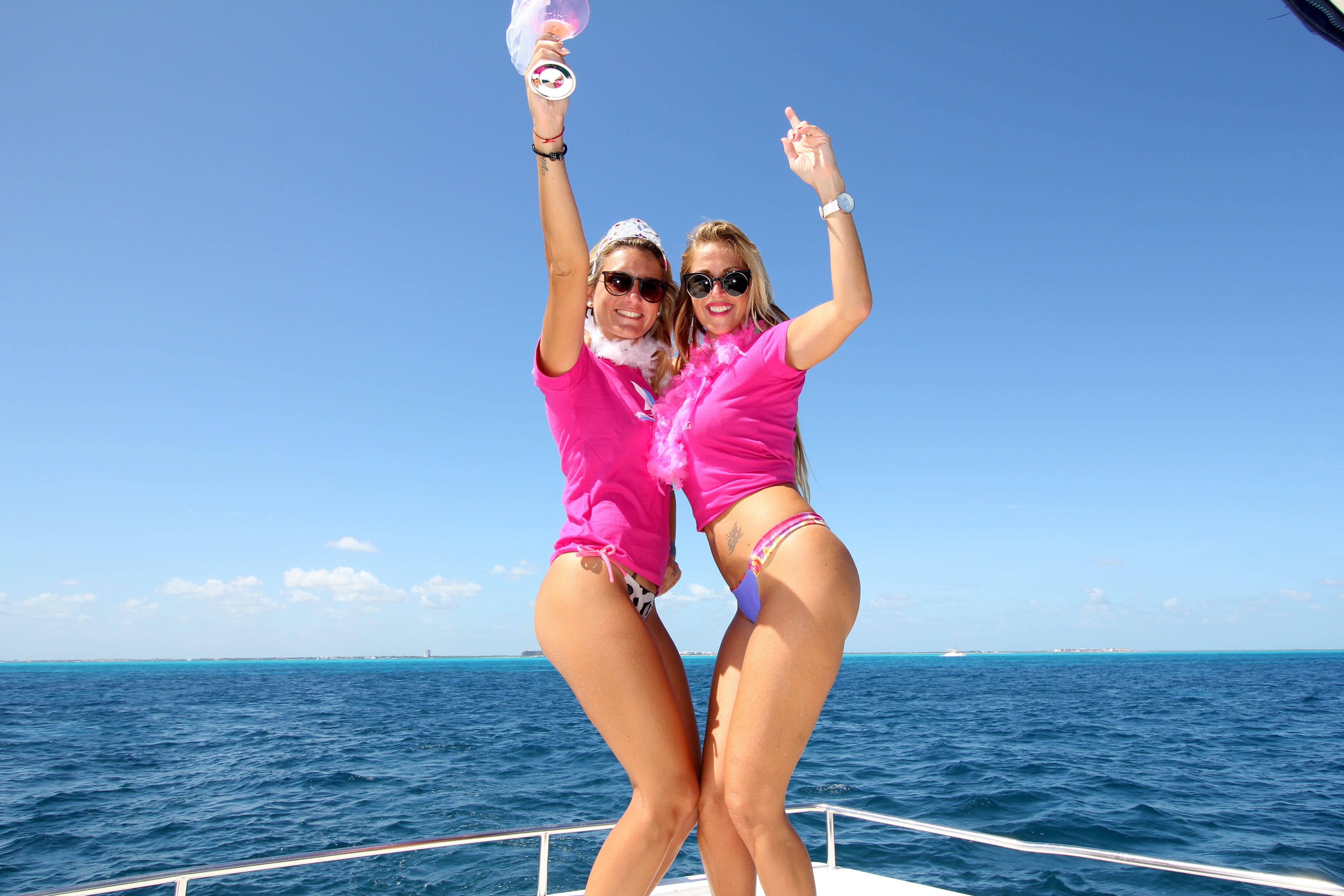cancun bachelorette party in catamaran - isla mujeres - 12