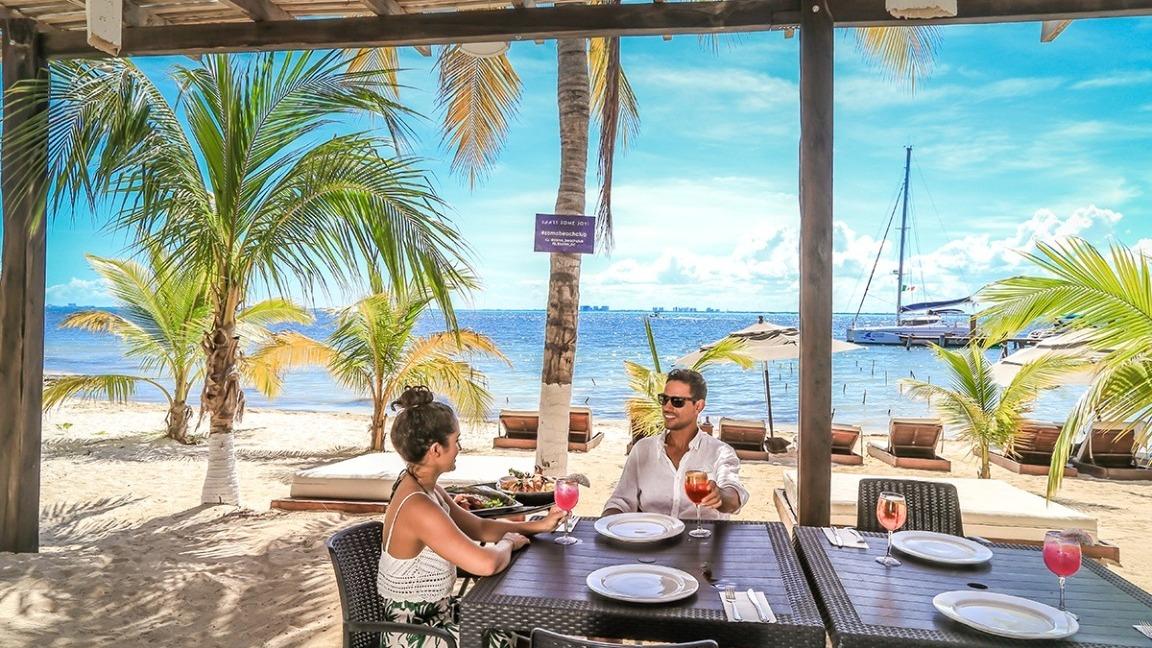 LowRes zama-beach-club-isla-mujeres-menu-food-cancun-sailing-1